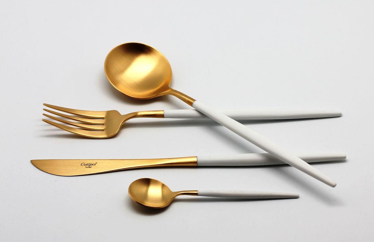 Набор столовых приборов Cutipol Goa White Gold, 24 предмета9265Португальская компания Cutipol основана в 1963 году. Безупречное качество столовых приборов Cutipol, практичный, современный дизайн, использование сплава стали с 18% хрома и 10% никеля, ручная полировка, толщина приборов в 3,5 мм делают эти столовые приборы украшением любого стола, подчеркивая его аристократический вкус и стиль. Серии столовых приборов Cutipol включают в себя как традиционный, так и современный дизайн».