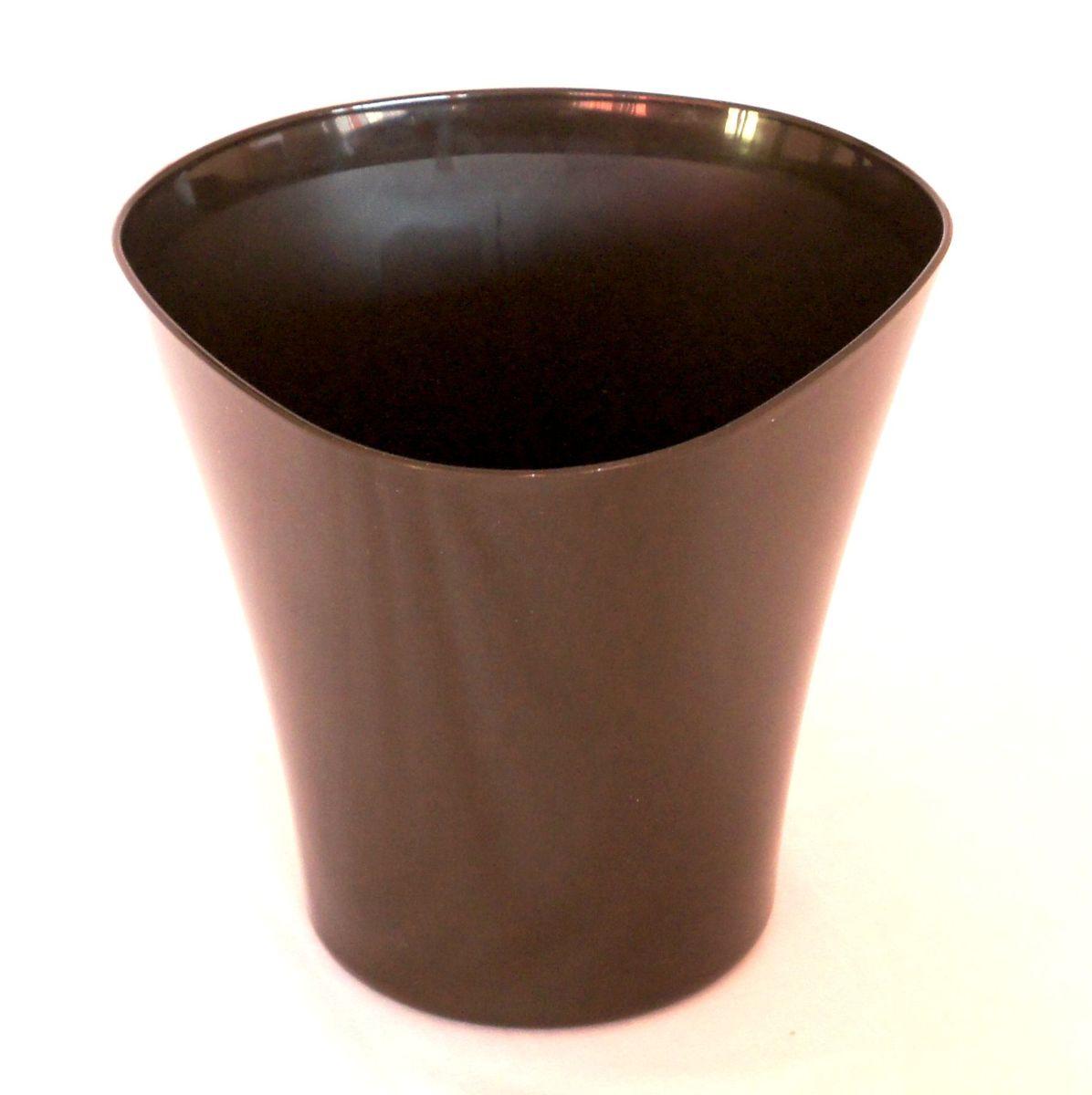 Кашпо JetPlast Волна, цвет: темный шоколад, 1,5 л4612754051267Кашпо Волна имеет уникальную форму, сочетающуюся как с классическим, так и с современным дизайном интерьера. Оно изготовлено из прочного полипропилена (пластика) и предназначено для выращивания растений, цветов и трав в домашних условиях. Такое кашпо порадует вас функциональностью, а благодаря лаконичному дизайну впишется в любой интерьер помещения. Объем кашпо: 1,5 л.