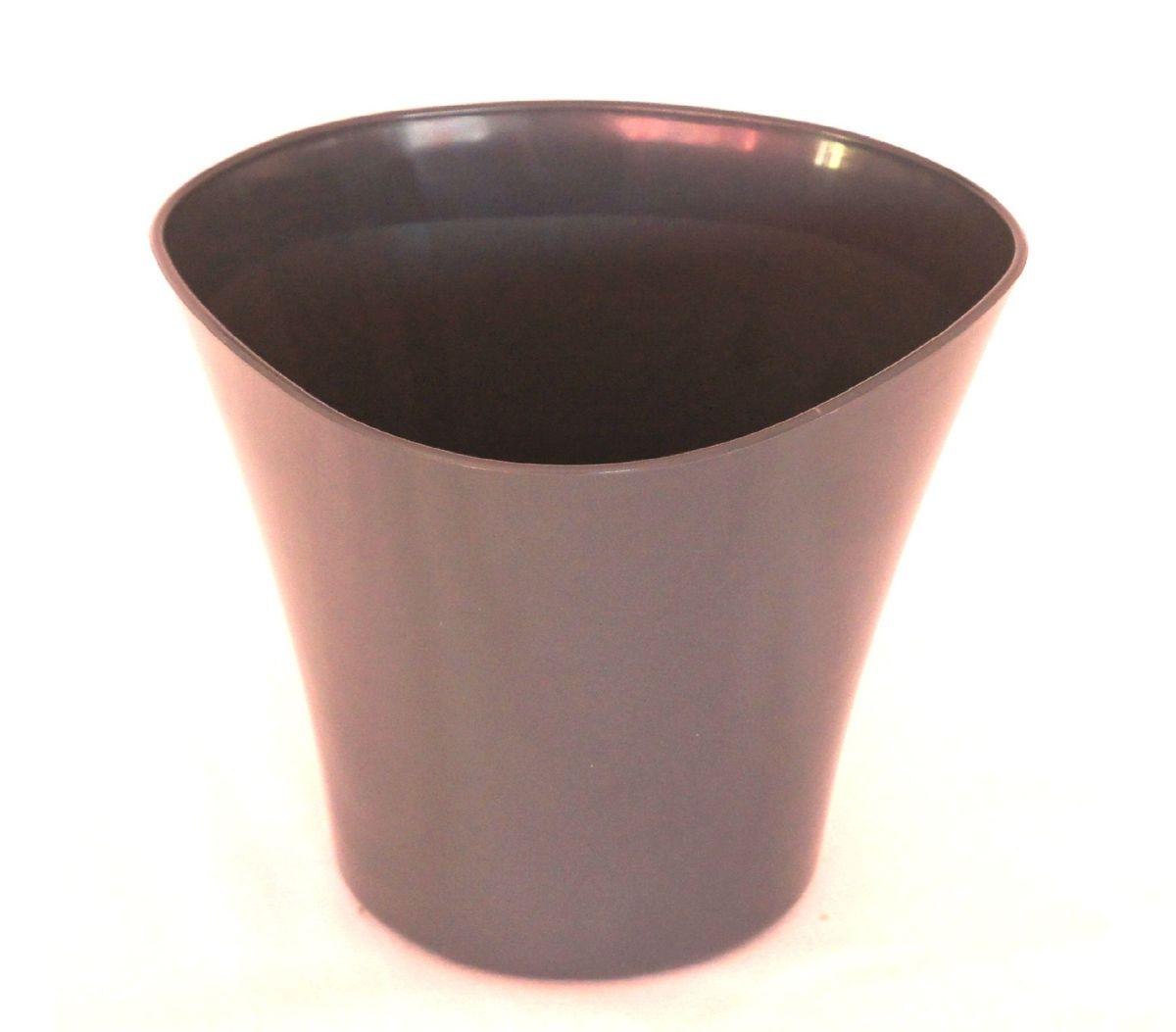 Кашпо JetPlast Волна, цвет: антрацит, 600 мл4612754051434Кашпо Волна имеет уникальную форму, сочетающуюся как с классическим, так и с современным дизайном интерьера. Оно изготовлено из прочного полипропилена (пластика) и предназначено для выращивания растений, цветов и трав в домашних условиях. Такое кашпо порадует вас функциональностью, а благодаря лаконичному дизайну впишется в любой интерьер помещения. Объем кашпо: 600 мл.