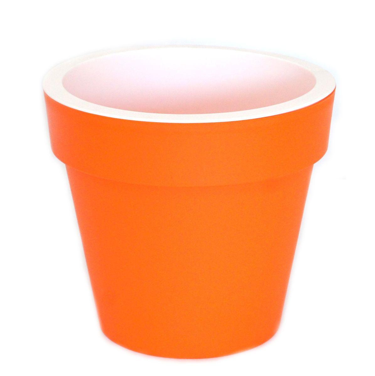 Кашпо JetPlast Порто, со вставкой, цвет: оранжевый, 2,4 л4612754052479Кашпо Порто классической формы с внутренней вставкой-горшком. Дренажная вставка позволяет легко поливать растения без использования дополнительного поддона. Вместительный объем кашпо позволяет высаживать самые разнообразные растения, а съемная вставка избавит вас от грязи и подчеркнет красоту цветка. Оно изготовлено из прочного полипропилена (пластика). Такое кашпо порадует вас функциональностью, а благодаря лаконичному дизайну впишется в любой интерьер помещения. Объем кашпо: 2,4 л.