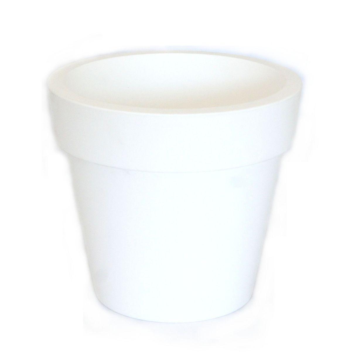 Кашпо JetPlast Порто, со вставкой, цвет: белый, 1 л4612754052561Кашпо классической формы с внутренней вставкой-горшком. Дренажная вставка позволяет легко поливать растения без использования дополнительного поддона. Вместительный объем кашпо позволяет высаживать самые разнообразные растения, а съемная вставка избавит вас от грязи и подчеркнет красоту цветка.