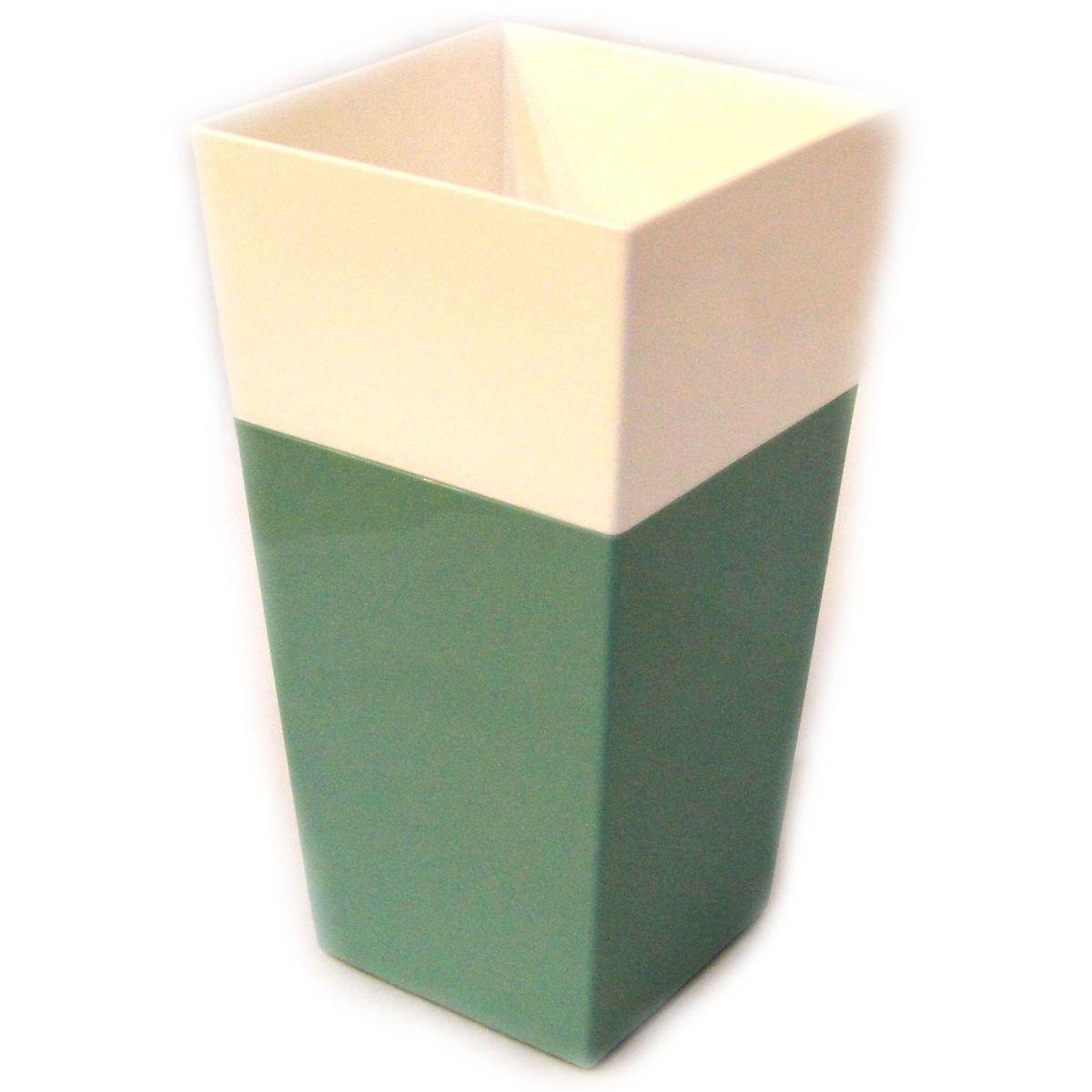 Кашпо JetPlast Дуэт, цвет: нефрит, белый, высота 34 см4612754052639Кашпо имеет строгий дизайн и состоит из двух частей: верхней части для цветка и нижней – поддона. Конструкция горшка позволяет, при желании, использовать систему фитильного полива, снабдив горшок веревкой. Оно изготовлено из прочного полипропилена (пластика). Размеры кашпо: 18 х 18 х 34 см.