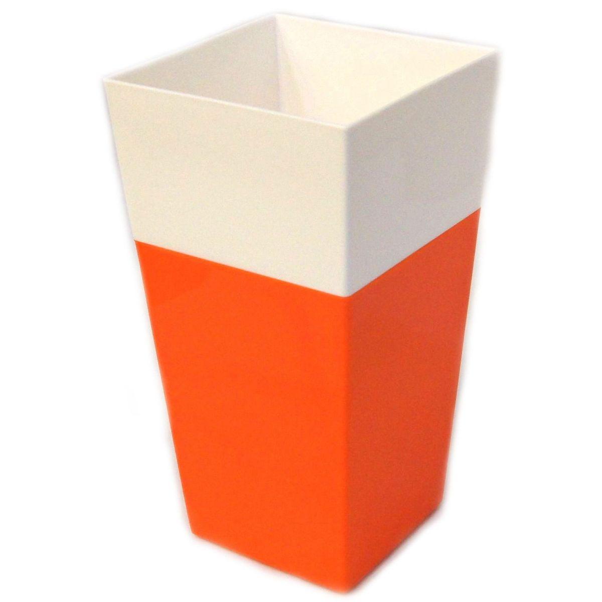Кашпо JetPlast Дуэт, цвет: оранжевый, белый, высота 34 см4612754052646Кашпо имеет строгий дизайн и состоит из двух частей: верхней части для цветка и нижней – поддона. Конструкция горшка позволяет, при желании, использовать систему фитильного полива, снабдив горшок веревкой. Оно изготовлено из прочного полипропилена (пластика). Размеры кашпо: 18 х 18 х 34 см.