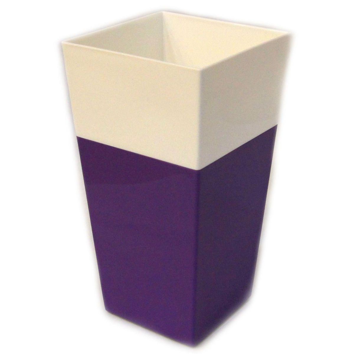 Кашпо JetPlast Дуэт, цвет: фиолетовый, белый, высота 34 см4612754052653Кашпо имеет строгий дизайн и состоит из двух частей: верхней части для цветка и нижней – поддона. Конструкция горшка позволяет, при желании, использовать систему фитильного полива, снабдив горшок веревкой. Оно изготовлено из прочного полипропилена (пластика). Размеры кашпо: 18 х 18 х 34 см.