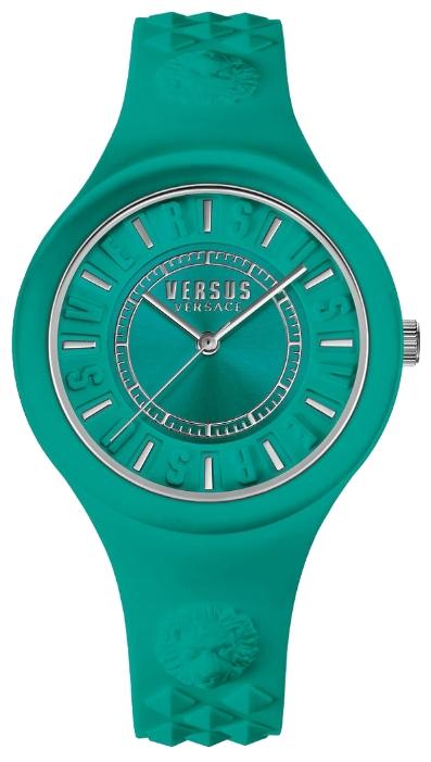 Наручные часы женские Versus Versace, цвет: зеленый. SOQ07 0016SOQ07 0016Мех: Citizen 2035, 3-стрелочный кварц. Корпус: 39мм, пластиковое покрытие в цвет ремешка. Циферблат: цвет зеленый. Ремешок зеленый, силиконовый, объемный логотип в форме головы льва на уровне 12ч и 18. WR: 3 ATM. Силиконовая упаковка