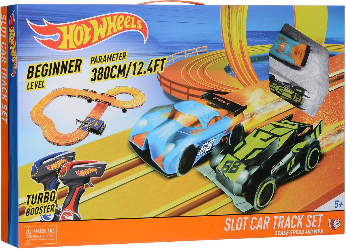 Kidztech Гоночный трек Hot Wheels 380 см83107Kidztech Гоночный трек Hot Wheels непременно заинтересует вашего ребенка и не позволит ему скучать. Трасса разрабатывалась для начинающих гонщиков, поэтому она не отличается сложностью. Она состоит из нескольких крутых поворотов, моста и длинного прямого участка. На последнем можно познакомиться со скоростными качествами машинок, и оценить турбо режим. Сам трек собирается из 53 деталей. Ее общая протяженность равняется 3,8 метра. Машинки могут похвастаться светящимися фарами. В набор включены два проводных пульта. Играя с этим набором, ребенок будет развивать: мелкую моторику, меткость и фантазию. Порадуйте своего ребенка таким захватывающим подарком! Для работы трека требуется 6 батареек типа АА (не входят в комплект).