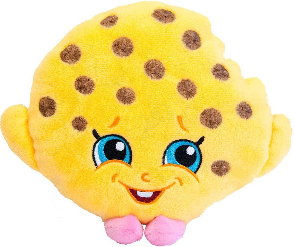 Shopkins Мягкая игрушка Печенька Куки31631Забавная мягкая игрушка в виде Печеньки Куки из мультфильма Шопкинс порадует вашего ребенка и поможет придумать множество увлекательных игр, во время которых у малыша будут развиваться воображение, речь, тактильное восприятие и многое другое. Компактную игрушку очень удобно брать с собой в гости или в садик. Соберите всю коллекцию плюшевых игрушек Шопкинс, чтобы детские игры стали увлекательнее и разнообразнее! Мягкая игрушка Печенька Куки ТМ Шопкинс высотой 20 см выполнена из нежного, приятного на ощупь плюша, плотно набита и декорирована высококачественной вышивкой. Товар сертифицирован. Упаковка - пакет.