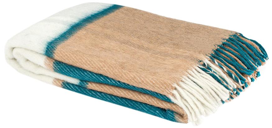 Плед Маэстро, 150 х 200 см 1-241-150_131-241-150_13Теплый пушистый толстый плед Маэстро, выполненный из натуральной новозеландской овечьей шерсти, добавит комнате уюта и согреет в прохладные дни. Удобный размер этого качественного пледа позволит использовать его и как одеяло, и как покрывало для кресла или софы. Плед с кистями. Плед упакован в пластиковую сумку-чехол на застежке-молнии, а прочная текстильная ручка делает чехол удобным для переноски. Такое теплое украшение может стать отличным подарком друзьям и близким! Под шерстяным пледом вам никогда не станет жарко или холодно, он помогает поддерживать постоянную температуру тела. Шерсть обладает прекрасной воздухопроницаемостью, она поглощает и нейтрализует вредные вещества и славится своими целебными свойствами. Плед из шерсти станет лучшим лекарством для людей, страдающих ревматизмом, радикулитом, головными и мышечными болями, сердечно-сосудистыми заболеваниями и нарушениями кровообращения. Шерсть не электризуется. Она прочна, износостойка, долговечна. Наконец,...