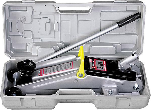 Домкрат гидравлический подкатный Matrix, 2 т, высота подъема 135–385 мм, в пластиковом кейсе51028Гидравлический подкатный домкрат MATRIX MASTER с клапаном безопасности предназначен для подъема груза массой до 2 тонн. Домкрат является незаменимым инструментом в автосервисе, часто используется при проведении ремонтно-строительных работ. Минимальная высота подхвата домкрата MATRIX MASTER составляет 13,5 см. Максимальная высота, на которую домкрат может поднять груз, составляет 38,5 см. Этой высоты достаточно для установки жесткой опоры под поднятый груз и проведения ремонтных работ. Клапан безопасности предотвращает подъем груза, масса которого превышает массу заявленную производителем. ВНИМАНИЕ! Домкрат не предназначен для длительного поддерживания груза на весу либо для его перемещения. Перед подъемом убедитесь, что груз распределен равномерно по центру опорной поверхности домкрата. Масса поднимаемого груза не должна превышать массу, указанную производителем. Домкрат во время работы должен быть установлен на горизонтальной ровной и твердой поверхности. После поднятия груза...