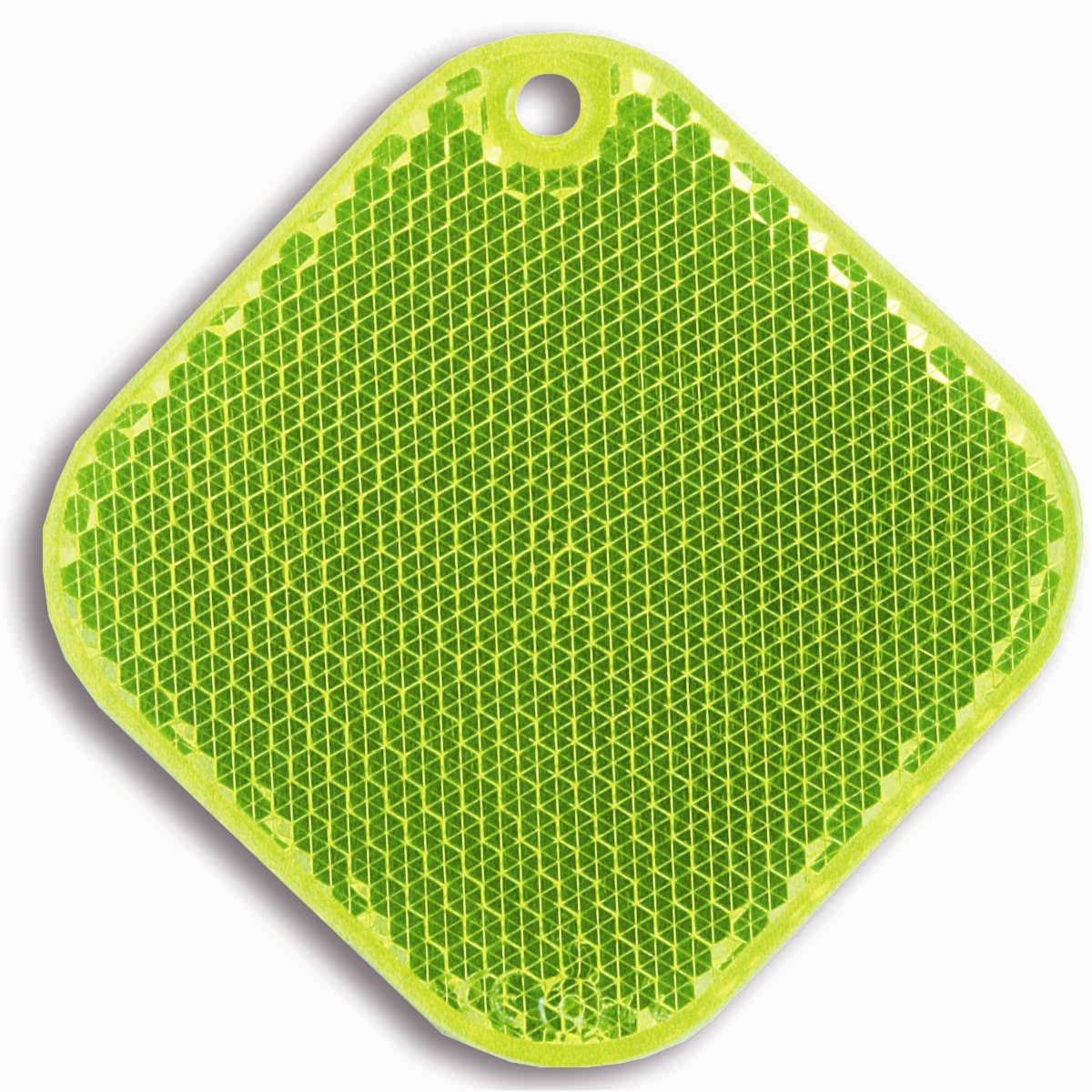 Световозвращатель пешеходный Coreflect Ромб, цвет: желтый118704Пешеходный светоотражатель — это серьезное средство безопасности на дороге. Использование светоотражателей позволяет в десятки раз сократить количество ДТП с участием пешеходов в темное время суток. Светоотражатель крепится на одежду и обладает способностью к направленному отражению светового потока. Благодаря такому отражению, водитель может вовремя заметить пешехода в темноте, даже если он стоит или двигается по обочине. А значит, он успеет среагировать и избежит возможного столкновения.