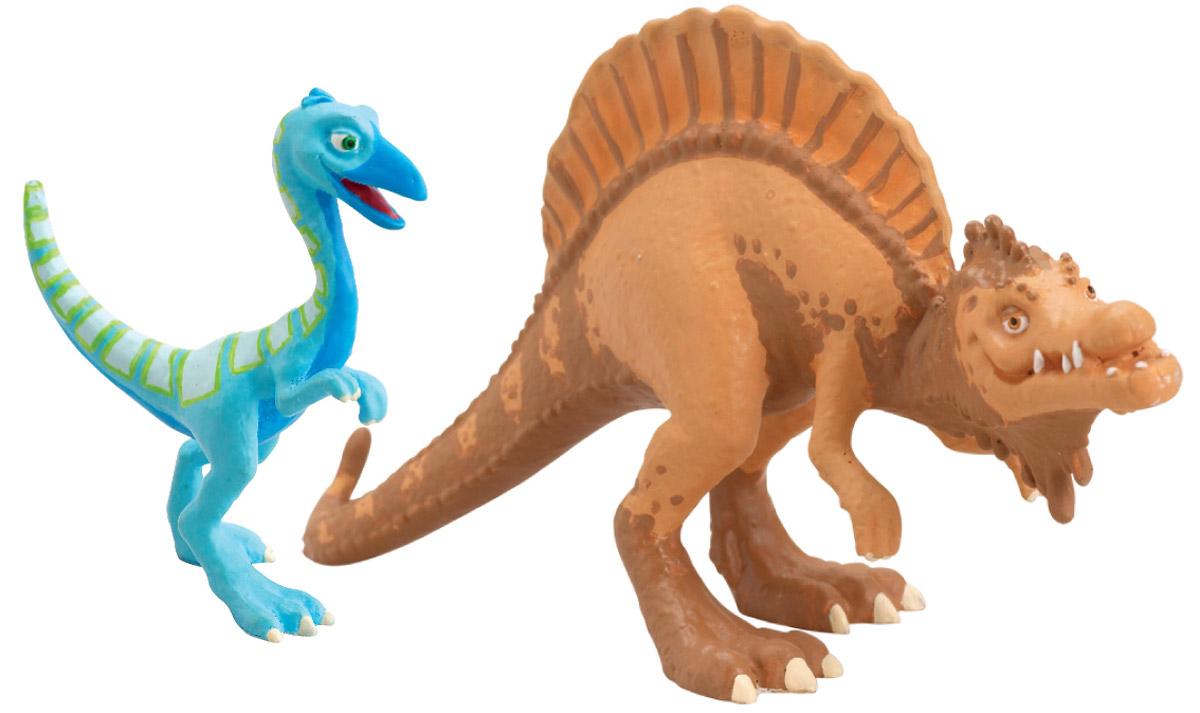 Набор фигурок Tomy Поезд Динозавров: Старый Спинозавр и X-Ray ОренТ57094Набор фигурок Tomy Поезд Динозавров: Старый Спинозавр и X-Ray Орен привлечет внимание вашего ребенка. В набор входят две яркие фигурки из пластика в виде динозавров Старого Спинозавра и Орена - персонажей мультсериала Поезд Динозавров. Фигурка Орена светится в темноте. Ребенок с удовольствием будет играть с этими фигурками, воспроизводя сценки из мультсериала или придумывая свои увлекательные истории. Порадуйте его таким замечательным подарком!