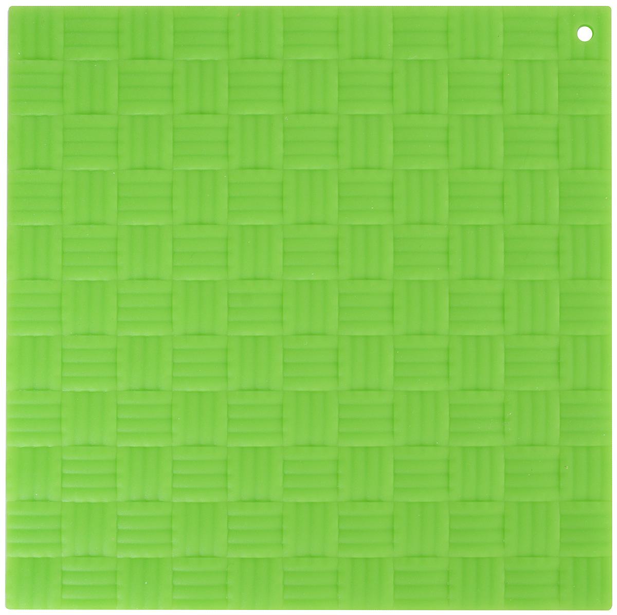Подставка под горячее Paterra, силиконовая, цвет: зеленый, 17,5 х 17,5 см402-499_зеленыйПодставка под горячее Paterra изготовлена из силикона и оснащена специальным отверстием для подвешивания. Материал позволяет выдерживать высокие температуры и не скользит по поверхности стола. Каждая хозяйка знает, что подставка под горячее - это незаменимый и очень полезный аксессуар на каждой кухне. Ваш стол будет не только украшен яркой и оригинальной подставкой, но и сбережен от воздействия высоких температур.