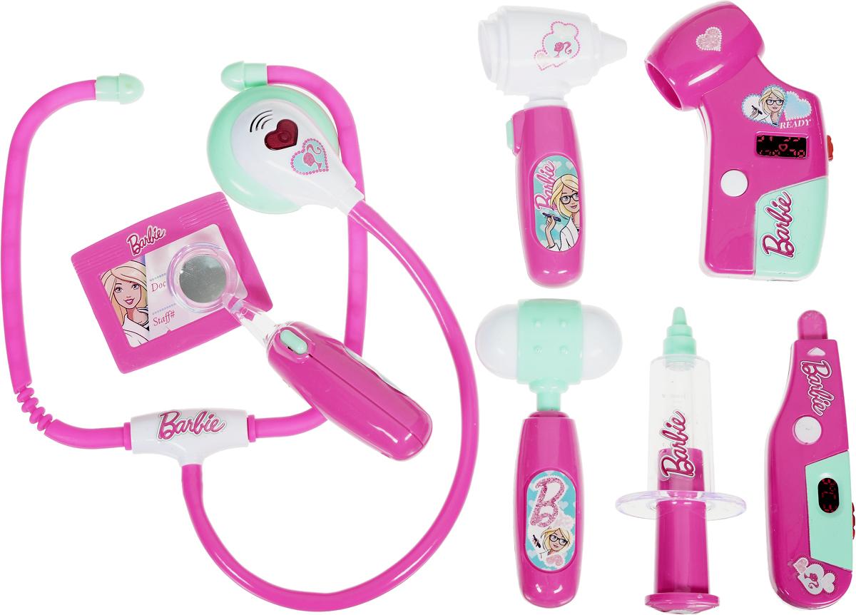Corpa Игровой набор Юный доктор Barbie 8 предметовD125Игровой набор Corpa Юный доктор Barbie - это замечательный подарок для вашей девочки, которая сможет почувствовать себя настоящим врачом. В набор входит: сфигмоманометр - прибор для измерения артериального давления, шприц, градусник, стоматоскоп - инструмент с зеркальцем для обследования рта, стетоскоп - инструмент, с помощью которого можно послушать ритм сердца и дыхания, отоскоп - прибор для исследования ушей, молоточек и бейдж - совсем как у настоящего врача. С таким набором ваша малышка сможет примерить на себя сложнейшую, но очень интересную профессию доктора и даже стать настоящим специалистом в области здравоохранения, оказывая медицинскую помощь любимым игрушкам. Все инструменты исключительно безопасны, выполнены из прочных материалов и оснащены звуковыми и световыми эффектами. Для работы сфигмоманометра, градусника, стоматоскопа и отоскопа необходимо 8 батареек типа AG10 (входят в комплект). Для работы стетоскопа необходимы 2 батарейки типа AG13 (входят...