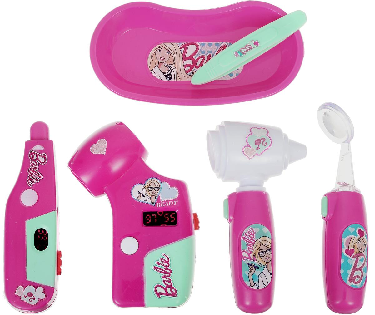 Corpa Игровой набор Юный доктор Barbie 6 предметовD122CИгровой набор Corpa Юный доктор Barbie - это замечательный подарок для вашей девочки, которая сможет почувствовать себя настоящим врачом. В набор входит: электронный стоматоскоп - это инструмент с зеркальцем для обследования рта, градусник, пинцет, сфигмоманометр - прибор для измерения артериального давления, отоскоп - прибор для исследования ушей, и лоток для разных мелочей. С таким набором ваша малышка сможет примерить на себя сложнейшую, но очень интересную профессию доктора и даже стать настоящим специалистом в области здравоохранения, оказывая медицинскую помощь любимым игрушкам. Все инструменты исключительно безопасны, выполнены из прочных материалов и оснащены световыми эффектами. Для работы приборов необходимо 6 батареек типа AG10 (входят в комплект).