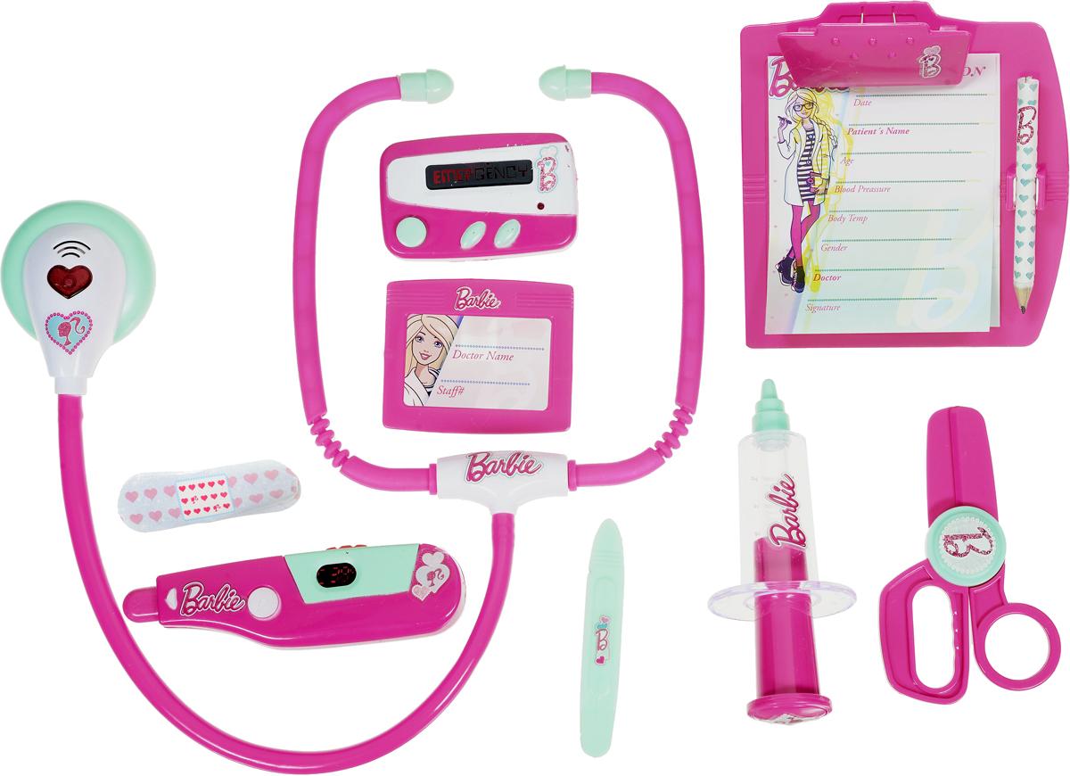 Corpa Игровой набор Юный доктор Barbie 11 предметовD128Игровой набор Corpa Юный доктор Barbie - это замечательный подарок для вашей девочки, которая сможет почувствовать себя настоящим врачом. В набор входит: шприц, градусник, ножницы, пинцет, бейдж, пластырь, стетоскоп - инструмент, с помощью которого можно послушать ритм сердца и дыхания, планшет для записей с карандашом и пейджер. С таким набором ваша малышка сможет примерить на себя сложнейшую, но очень интересную профессию доктора и даже стать настоящим специалистом в области здравоохранения, оказывая медицинскую помощь любимым игрушкам. Все инструменты исключительно безопасны, выполнены из прочных материалов и оснащены звуковыми и световыми эффектами. Для работы градусника необходимо 2 батарейки типа AG10 (входят в комплект). Для работы стетоскопа и пейджера необходимы 4 батарейки типа AG13 (входят в комплект).