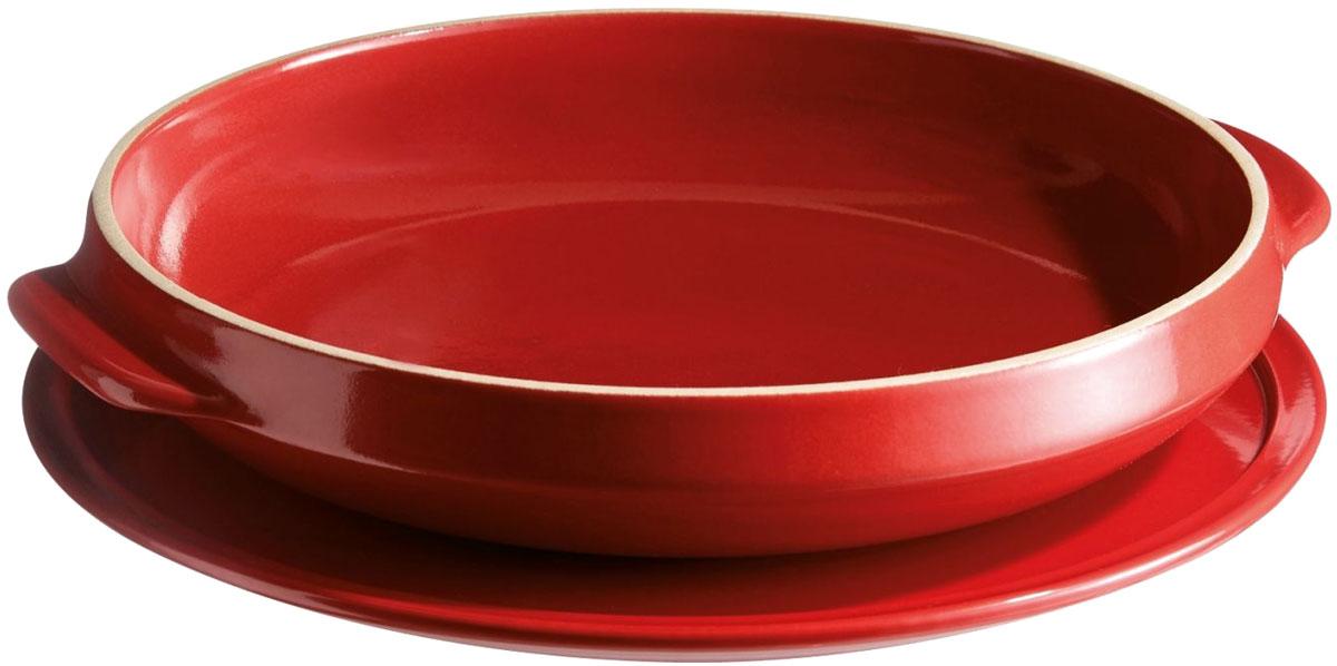 Блюдо для выпечки пирога Emile Henry Татен, цвет: гранат343699На 8 порций. Одно блюдо для приготовления по одному рецепту. Что может быть удобнее: сначала делаем карамель, нагревая форму на плите, потом отправляем все в ней же – прямо в духовку! Подаем пирог на сервировочной тарелке. Размер формы – 28 см. Внимание! Сервировочную тарелку из данного набора можно использовать только в духовом шкафу или микроволновой печи.