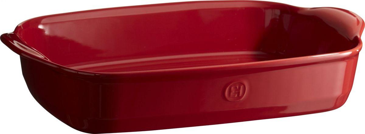 Форма для запекания Emile Henry Ultime, прямоугольная, цвет: гранат, 27 х 42 х 9. 349654349654Формы для запекания Ultime. Новый дизайн, стирающий границы между идеальной керамической формой для запекания и посудой для сервировки. Мягкие, щедрые формы великолепно подходят для приготовления всех видов блюд – от лазаньи до жаркого. Благодаря удобным ручкам форму комфортно извлекать из духовки. Поставьте форму на стол – это выглядит крайне элегантно. Формы Ultime изготовлены из HR Ceramic (высоко-устойчивая) и могут быть использованы как в морозилке (-20°C), так и в духовке (270°C) и даже на гриле. Они устойчивы к ежедневным испытанием на кухне. Ингредиенты блюд, приготовленных в HR Ceramic пропекаются равномерно, не пересыхают, долго сохраняют тепло. Высокие стенки формы позволяют приготовить щедрые порции блюд. Широкий ассортимент 5 блюд различного размера (от индивидуальной порции до большой формы на всю семью), цвета (крем, гранат) и формы (квадратная и прямоугольная) удовлетворит запросы хозяек. Кромка снизу ручки обеспечивает противоскользящий эффект и...