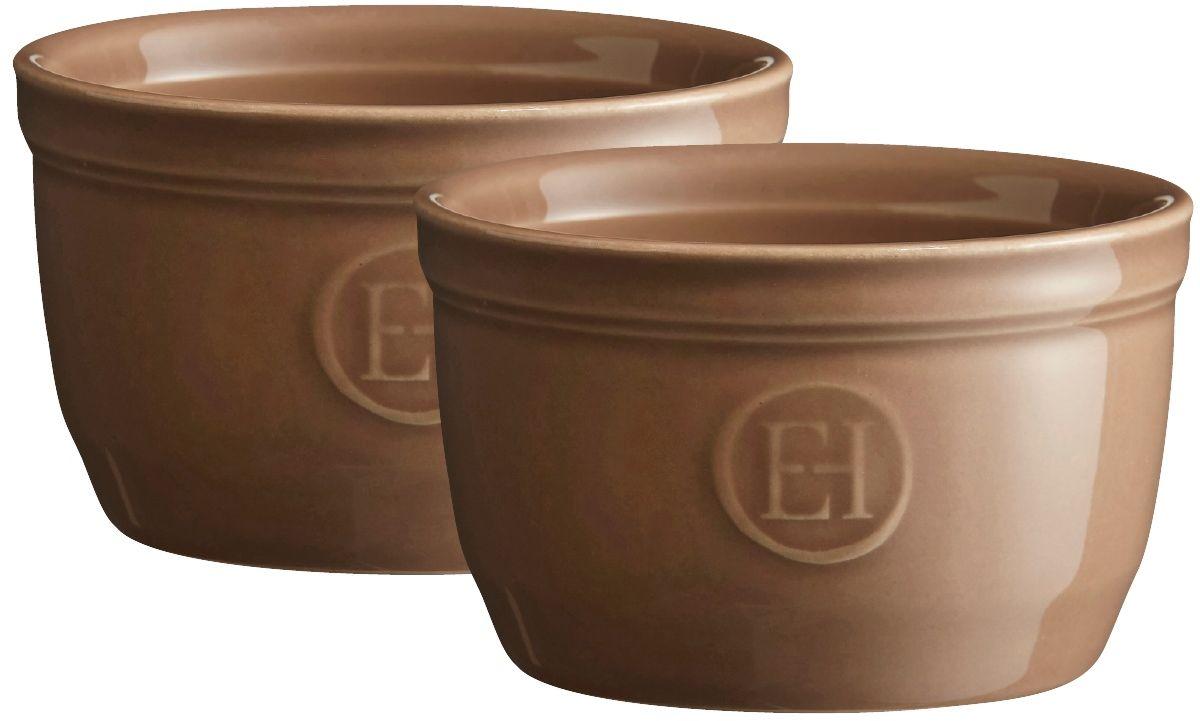 Рамекин Emile Henry, цвет: мускат, диаметр 9 см, 2 шт964009Натуральный цвет и очертания порционной формы Рамекин, предназначенной как для готовки, так и для сервировки отдельных порций. Идеально подходит для кухни в загородном доме. Высокопрочная керамика (HR ceramic) великолепно распределяет и сохраняет тепло, что и требуется для приготовления помадок, гратенов, рассыпчатых и открытых пирогов. Форма не боится перепадов температур, и ее можно ставить в духовку сразу после того, как она была вынута из морозильной камеры. Покрытие формы устойчиво к появлению сколов и царапин, а его цвет остается ярким даже после многократного использования в посудомоечной машине. Идеально подходит для небольших десертов. Например, для густых десертов, которые требуют специфичного размера порции, как фондан из темного шоколада. Другие рецепты в этом рамекине? Пудинги, крем-карамель...