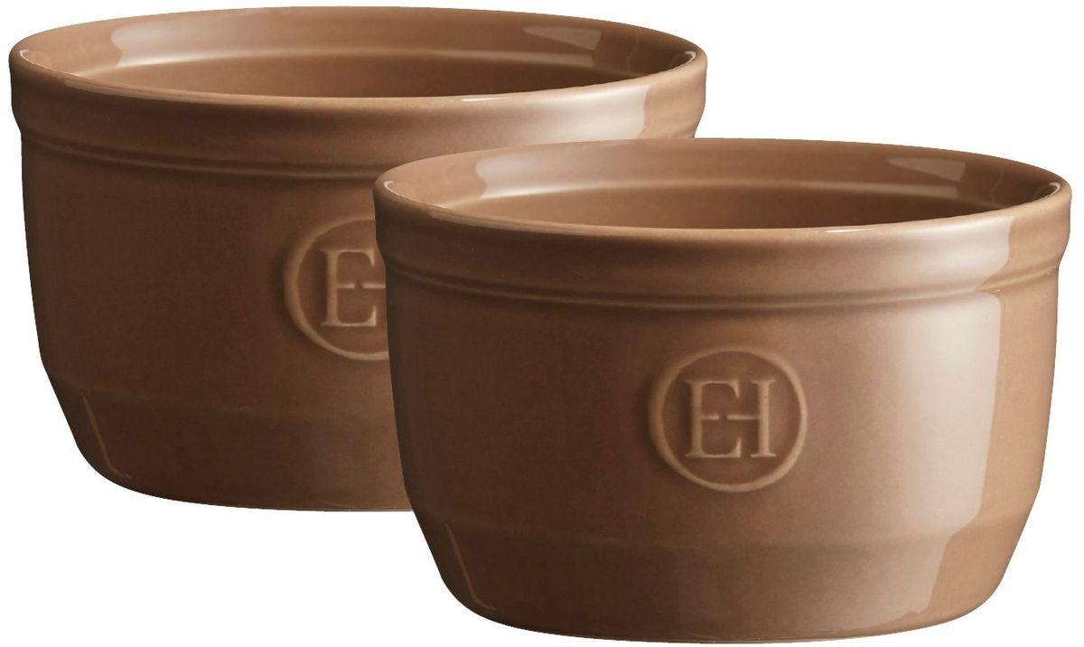 Рамекин Emile Henry, цвет: мускат, диаметр 10,5 см, 2 шт964010Натуральный цвет и очертания порционной формы Рамекин, предназначенной как для готовки, так и для сервировки отдельных порций. Идеально подходит для кухни в загородном доме. Высокопрочная керамика (HR ceramic) великолепно распределяет и сохраняет тепло, что и требуется для приготовления помадок, гратенов, рассыпчатых и открытых пирогов. Форма не боится перепадов температур, и ее можно ставить в духовку сразу после того, как она была вынута из морозильной камеры. Покрытие формы устойчиво к появлению сколов и царапин, а его цвет остается ярким даже после многократного использования в посудомоечной машине. Рамекин № 10 имеет больший объем, чем другие. Поэтому он также может быть использован для несладких рецептов, таких как овощные пироги или порционный гратен. Он также может быть использован для приготовления более легких десертов, таких как шоколадный мусс или тирамису.