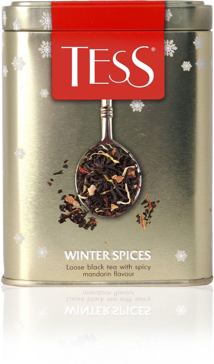Tess Winter Spices черный листовой чай, 110 г в подарочной упаковке1163-10Композиция Winter Spices, созданная на основе изысканного цейлонского чая, наполнена чудесным, праздничным и свежим вкусом сочного мандарина. Его характерная нежная сладость подчеркивают природные пряные оттенки чая, а затем отступает, чтобы в послевкусие зазвучала горячая сила имбиря и томная острота корицы. Насыщенный и согревающий Winter Spices хочется смаковать глоток за глотком, наслаждаясь домашним уютом после долгой зимней прогулки.