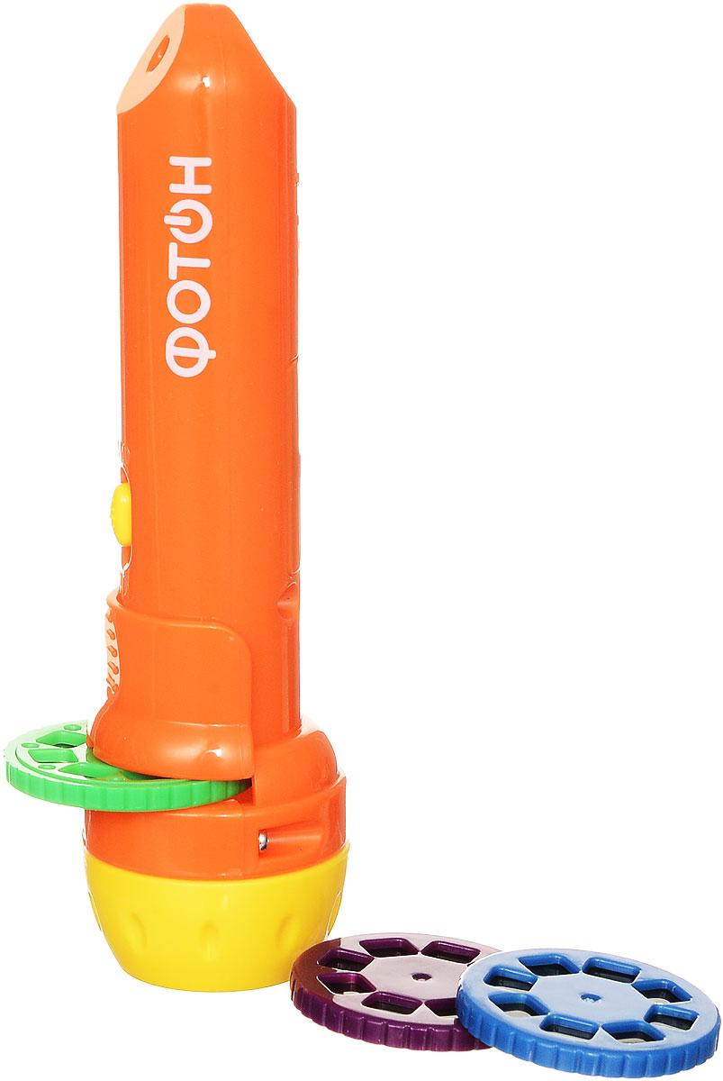 Фотон Мультфонарик с дисками Любимые сказки цвет оранжевый22451С помощью мультфонарика Фотон ваш ребенок с удовольствием будет показывать и рассказывать веселые истории близким и друзьям. Ведь это так увлекательно - всегда иметь под рукой собственную сказку в виде карманного фонарика! Качественная проекция и простота в использовании доставит ребенку море удовольствия потому, что мультфонарик это: красочная история в мультипликационных слайдах; сказка, которую можно взять с собой: в детский садик или в поездку; гармоничное развитие ребенка: развитие воображения, речи и мелкой моторики; отличная замена планшету или смартфону (не требует розетки); проекция на любую поверхность с ручной регулировкой фокуса; общение между взрослым и ребенком; легкий и интересный способ уложить ребенка спать. К фонарику прилагаются 3 диска по 8 кадров. Зеленый диск - Колобок. Синий диск - Курочка ряба. Фиолетовый диск - Репка. Батарейки входят в комплект (3 шт., напряжение 1,5 В, тип LR44).