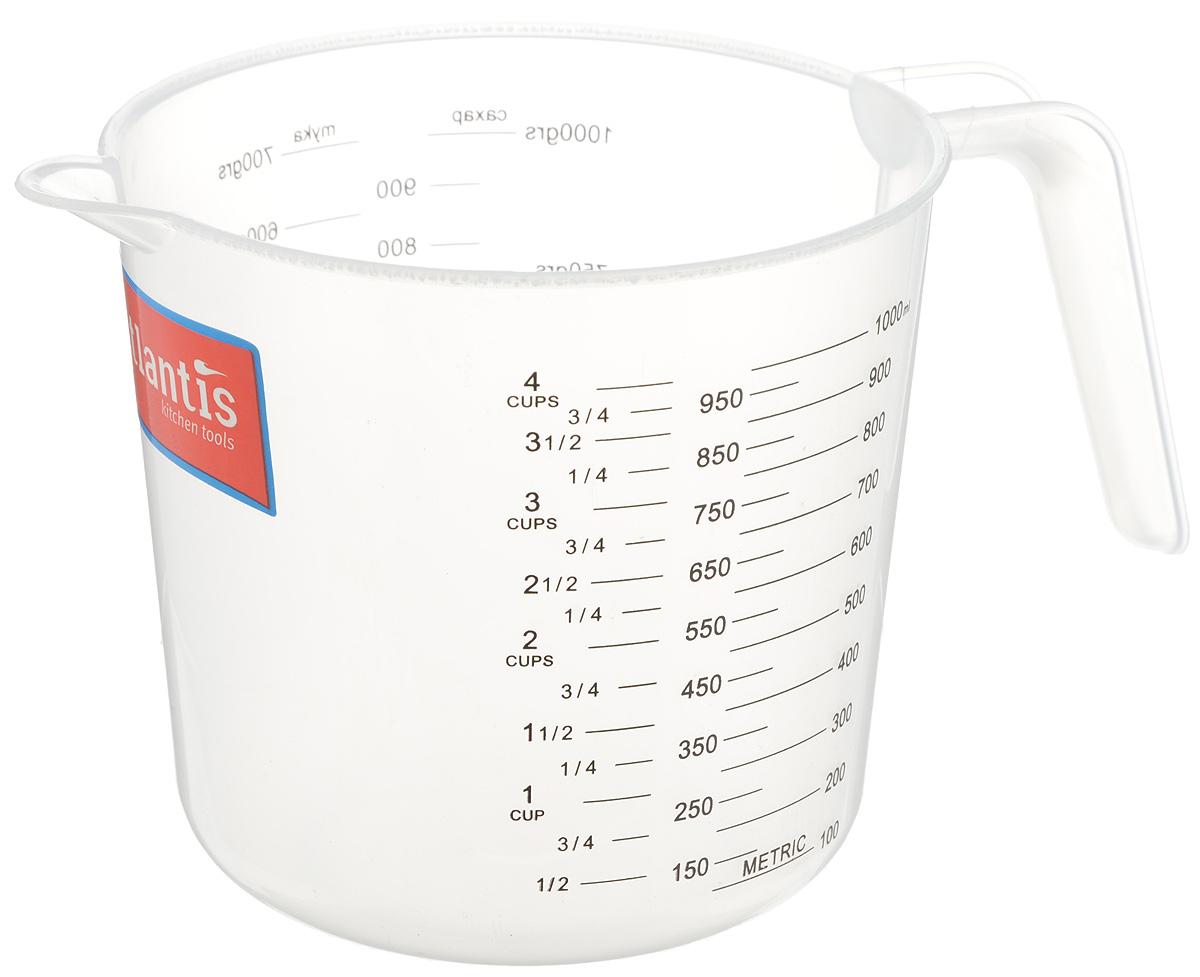 Стакан мерный Atlantis, 1 лC833Мерный прозрачный стакан Atlantis выполнен из высококачественного пластика. Стакан оснащен удобной ручкой и носиком, которые делают изделие еще более простым в использовании. Он позволяет мерить жидкости до 1 л. Также есть шкалы в пинтах и в чашках (Cup-шкала). Такой стаканчик пригодится на каждой кухне, ведь зачастую приготовление некоторых блюд требует известной точности. Объем: 1 л. Диаметр (по верхнему краю): 13 см. Высота: 12 см.
