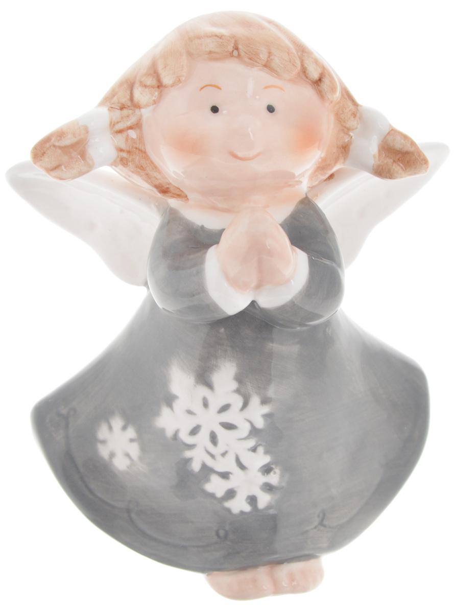 Фигурка новогодняя Win Max Ангел, высота 9 см. 1077310773_серыйНовогодняя фигурка Win Max Ангел отлично подойдет для декора интерьера вашего дома в преддверии Нового года. Изделие выполнено из фарфора в виде очаровательного ангелочка. Новогодние украшения всегда несут в себе волшебство и красоту праздника. Создайте в своем доме атмосферу тепла, веселья и радости, украшая его всей семьей.