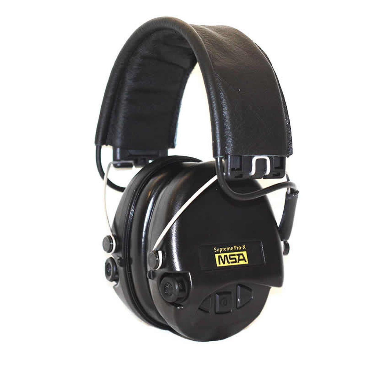 Наушники для стрельбы MSA Sordin Supreme Pro-Х/L, активныеSOR75302-Х/LАктивные наушники для стрельбы и охоты. Цвет ушных чашек – хаки. Усиливают слабый звук в 4 раза до 27 Дц и уменьшают шум до 82 Дц. Звуковая картинка на 360° градусов, звук Stereo. Два отдельных ветро-влагозащищенных микрофона. Влагозащищенный батарейный отсек. Звуковая пауза после отсечки шумовой волны менее 0,6 сек. Широкие кнопки включения с регулировкой громкости звука – 4 положения. Складные соединительные дужки, из прочной проволочной стали, покрытой антикоррозийным лаком. Дужки отделаны кожей. Предусмотрено прослушивание аудиозаписей через плеер/телефон, но основная функция – прослушивание сообщений через переносную радиостанцию. Возможно использование PTT(двух-полосная связь). Автоматическое отключение через 4 часа после начала использования. Предупреждение звуковым сигналом за 40 часов о низком заряде батареи. В комплекте две батарейки ААА, разъём AUX 3,5 мм., кабель. Вес: 310 гр. Гарантия 15год.