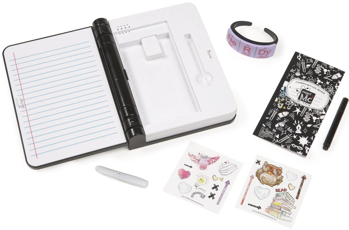 MС2 Игровой набор Секретный дневник546092Для того, чтобы открыть дневник, нужен секретный браслет (или булавка, если утерян браслет). При открытии и закрытии дневника звучит мелодия. В комплекте буклет с интересными играми, ручка с невидимыми чернилами, фонарик с ультрафиолетом для прочтения невидимых чернил. Дневник вмещает iPhone или телефон аналогичного размера. Дневник интерактивен и совместим с любым смартфоном через приложение на сайте. Работает от трех батареек АА (не включены в комплект).