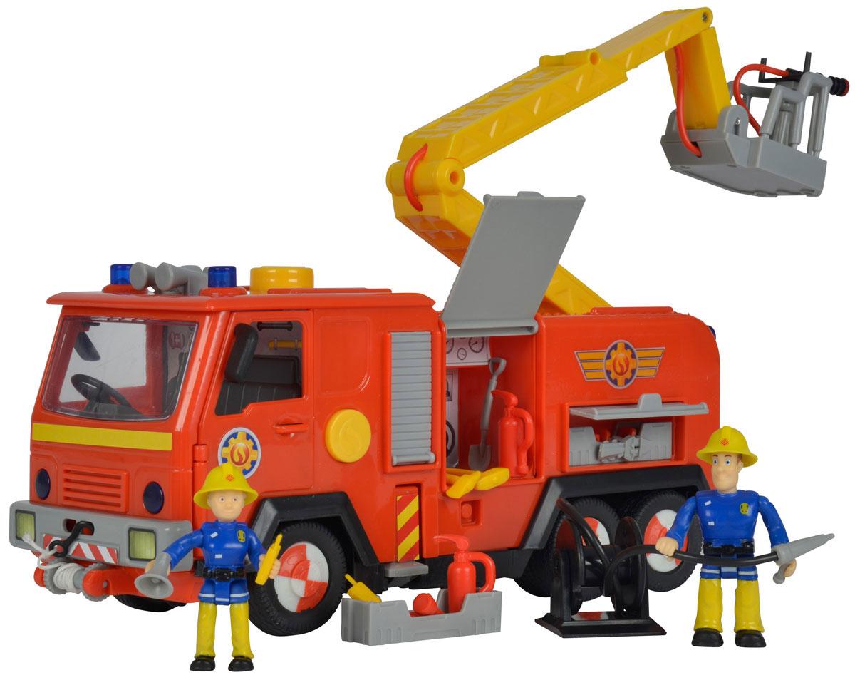 Simba Пожарная машина Deluxe Jupiter9257661Пожарная машина Simba Deluxe Jupiter включает в себя фигурки двух пожарных-спасателей и модель пожарной машины. Очень познавательная и выполненная с высоким качеством игрушка. Поступил сигнал тревоги - незамедлительно выезжайте на помощь. Включите сирену и предупреждающие огни для быстрого прибытия на место пожара. В распоряжении специальный гибкий шланг, а также выдвижная лестница, чтобы своевременно потушить огонь на верхних этажах. Реалистичность игре придает еще и наличие функции воды. Нажимая на желтую кнопку на автомобиле, из шланга поступит напор настоящей воды. Рекомендуется докупить 3 батарейки напряжением 1,5V типа АА/R6 (товар комплектуется демонстрационными).