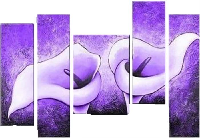 Картина Арт78 Сиреневые каллы, модульная, 140 см х 80 см. арт780007-2арт780007-2Ничто так не облагораживает интерьер, как хорошая картина. Особенную атмосферу создаст крупное художественное полотно, размеры которого более метра. Подобные произведения искусства, выполненные в традиционной технике (холст, масляные краски), чрезвычайно капризны: требуют сложного ухода, регулярной реставрации, особого микроклимата – поэтому они просто не могут существовать в условиях обычной городской квартиры или загородного коттеджа, и требуют больших затрат. Данное полотно идеально приспособлено для создания изысканной обстановки именно у Вас. Это полотно создано с использованием как традиционных натуральных материалов (холст, подрамник - сосна), так и материалов нового поколения – краски, фактурный гель (придающий картине внешний вид масляной живописи, и защищающий ее от внешнего воздействия). Благодаря такой композиции, картина выглядит абсолютно естественно, и отличить ее от традиционной техники может только специалист. Но при этом изображение отлично смотрится с любого...