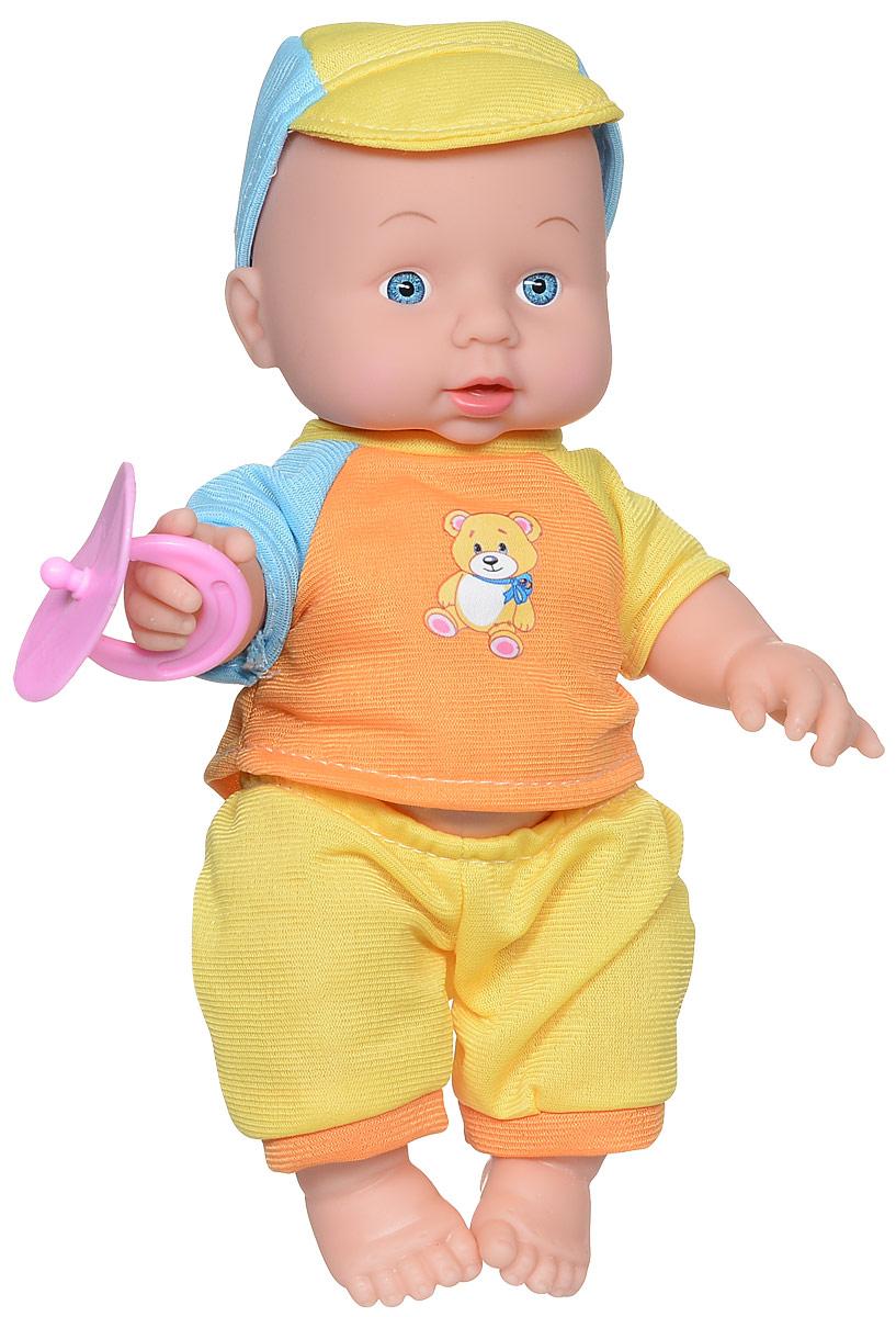 Карапуз Пупс озвученный цвет одежды желтый оранжевый голубой203-Q-RU/желтыйОзвученный пупс Карапуз обладает милыми и дружелюбными чертами лица и обязательно понравится каждой девочке. Пупс одет в разноцветный костюм, на голове у него - кепка, в руках он держит пустышку. Пупс оснащен звуковым модулем, что позволяет ему воспроизводить 3 стихотворения и песню знаменитой поэтессы Агнии Барто. Услышать их можно, нажав на кнопку на животе. Благодаря возможности пупса рассказывать стихи, девочка сможет заучить некоторые из них наизусть. Стихи Агнии Барто представляют собой драгоценные жемчужины, которыми наполнена сокровищница русской литературы. Ее многочисленные стихи для детей давно стали классикой, обязательной к прочтению всеми малышами. Рекомендуется докупить 3 батарейки напряжением 1,5V типа LR44/AG13 (товар комплектуется демонстрационными).