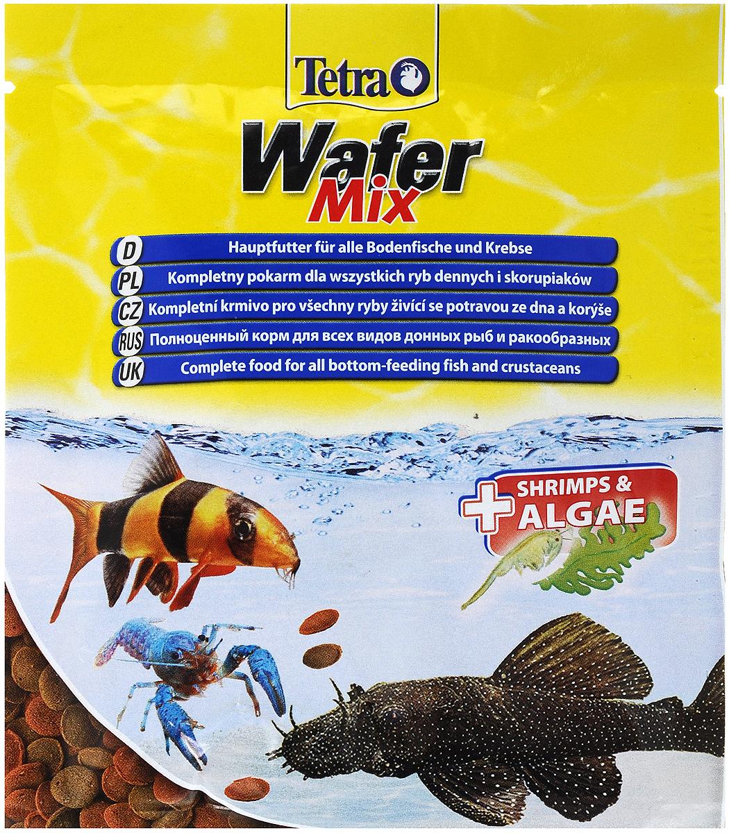 Корм Tetra TetraWafer Mix для всех видов донных рыб и ракообразных, пластинки, 15 г. 134461134461_в воде/1Корм Tetra TetraWafer Mix - это высококачественная смесь основного корма и креветок для кормления травоядных, хищных и донных рыб. Идеально подходит для кормления ракообразных (креветок, крабов, раков), сомовых и других придонных обитателей. Для травоядных донных рыб в аквариуме идеально подходят зеленые пластинки из водорослей спирулины, а коричневые - идеальны для хищников. Корм не мутит и не загрязняет воду благодаря плотному составу. Форма пластинок соответствует свойствам природного корма, позволяет кормить рыб разных размеров. Множество отборных высококачественных компонентов, витаминов, минералов и аминокислот обеспечивают питательными и энергетическими потребностями даже наиболее требовательных видов аквариумных рыб. Рекомендации оп кормлению: кормить несколько раз в день маленькими порциями. Состав: экстракты растительного белка, рыба и побочные рыбные продукты, зерновые культуры, растительные продукты, моллюски и раки (креветки...