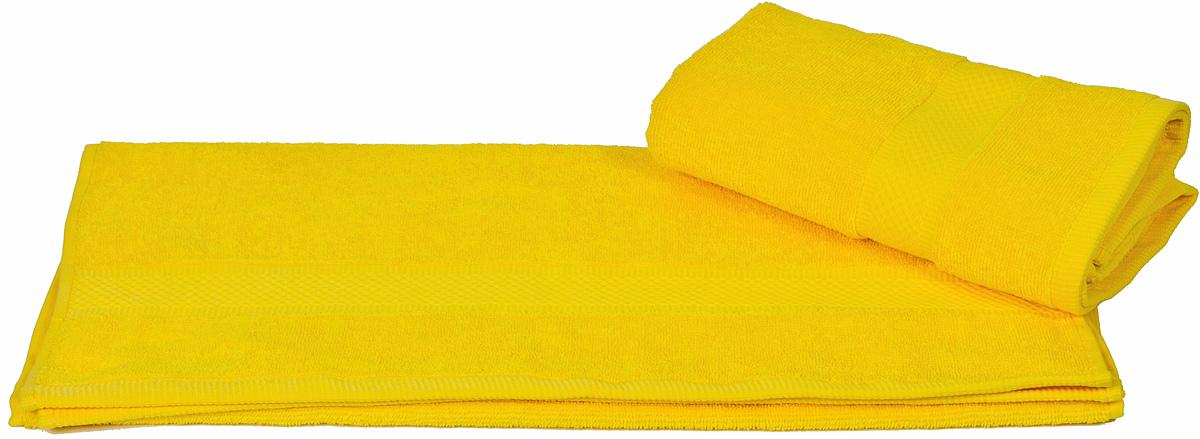 Полотенце Hobby Home Collection Beril, цвет: желтый, 50 х 90 см1501000389Полотенце Hobby Home Collection Beril выполнено из 100% хлопка. Изделие отлично впитывает влагу, быстро сохнет, сохраняет яркость цвета и не теряет форму даже после многократных стирок. Такое полотенце очень практично и неприхотливо в уходе. А простой, но стильный дизайн полотенца позволит ему вписаться даже в классический интерьер ванной комнаты.