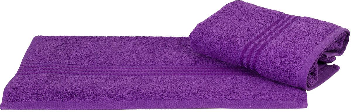 Полотенце Hobby Home Collection Rainbow, цвет: темно-лиловый, 70 х 140 см1501000577Полотенце Hobby Home Collection Rainbow выполнено из 100% хлопка. Изделие отлично впитывает влагу, быстро сохнет, сохраняет яркость цвета и не теряет форму даже после многократных стирок. Такое полотенце очень практично и неприхотливо в уходе. А простой, но стильный дизайн полотенца позволит ему вписаться даже в классический интерьер ванной комнаты.