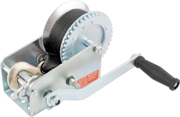 Лебедка шестеренчатая Matrix, тяга - 0,8 т, ленточная522715Шестерёнчатая лебедка имеет прочный стальной корпус и стальной шестеренчатый механизм, который приводится в движение вращением ручки. Предназначена только для горизонтального перемещения грузов. Используется при установке оборудования, такелажных и погрузочно-разгрузочных работах. Лебедка особенно удобна при работах вне помещения, при отсутствии электричества. Запрещается использовать для подъёма грузов.