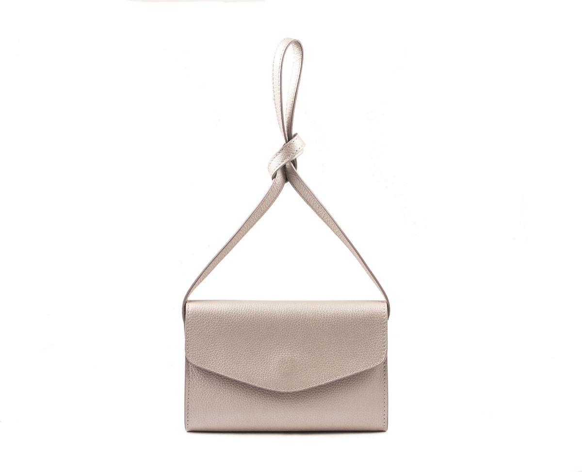 Клатч женский Frija, цвет: перламутровый. 21-331-1621-331-16Концептуальная женская cтильная сумка FRIJA из натуральной кожи, закрывается на скрытую магнитную кнопку. Внутри одно отделение, один боковой карман на молнии. Есть плечевой ремень, не сьемный. Сумка станет прекрасным дополнением к любому образу. Высота плечевого ремня составляет 56 см.