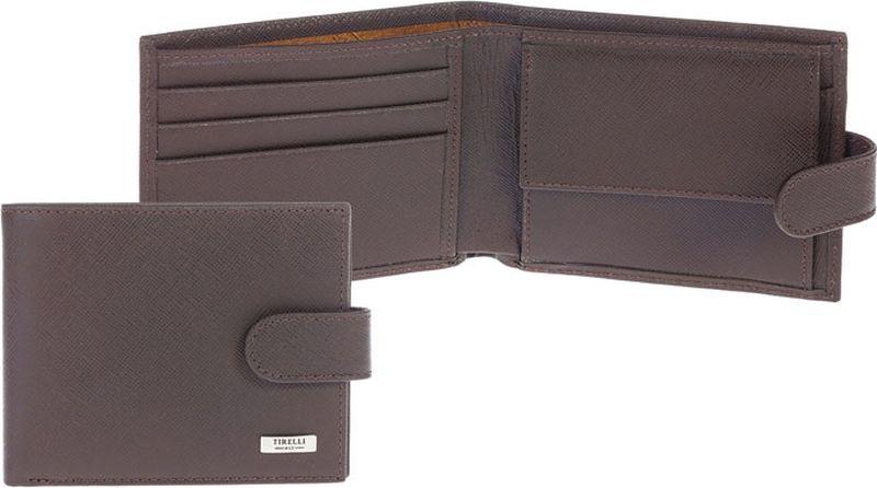 Портмоне мужское Tirelli, цвет: коричневый. 15-307-0315-307-03Компактное мужское портмоне Tirelli изготовлено из натуральной кожи. Портмоне закрывается хлястиком на кнопку, оформлено фирменным логотипом. Внутри имеется два отделения для купюр, кармашек на кнопке для монет, три кармана для хранения пластиковых карт, визиток, дисконтных карт и два потайных кармашка. Такое портмоне станет отличным подарком для человека, ценящего качественные и красивые вещи.