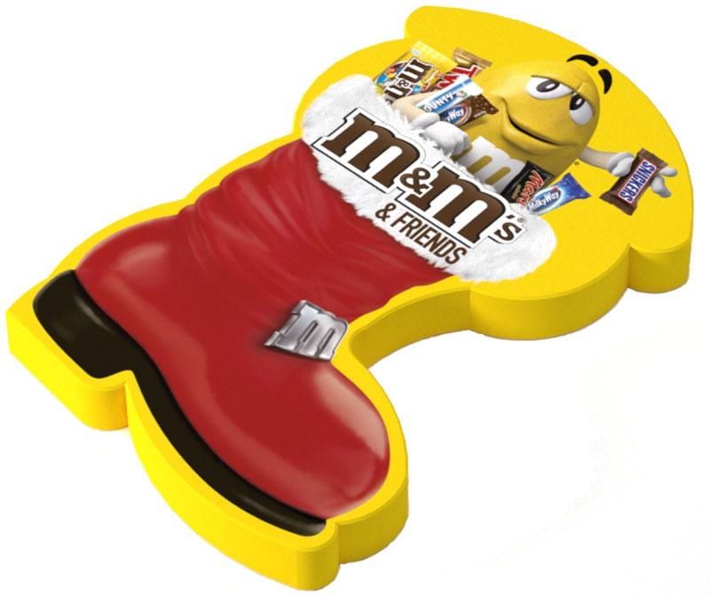 M&Ms Подарочный набор кондитерских изделий, 178 г10156422Новогодний набор M&Ms и Друзья - отличный подарок для родных, близких, детей и коллег! В наборе - только самые известные и любымые шоколадные батончики, конфеты и драже: Сникерс, Твикс, Баунти и, кончено же, M&Ms! Яркая упаковка дополняет этот разнообразный ассортимент и делает ваш подарок по-настоящему незабываемым!