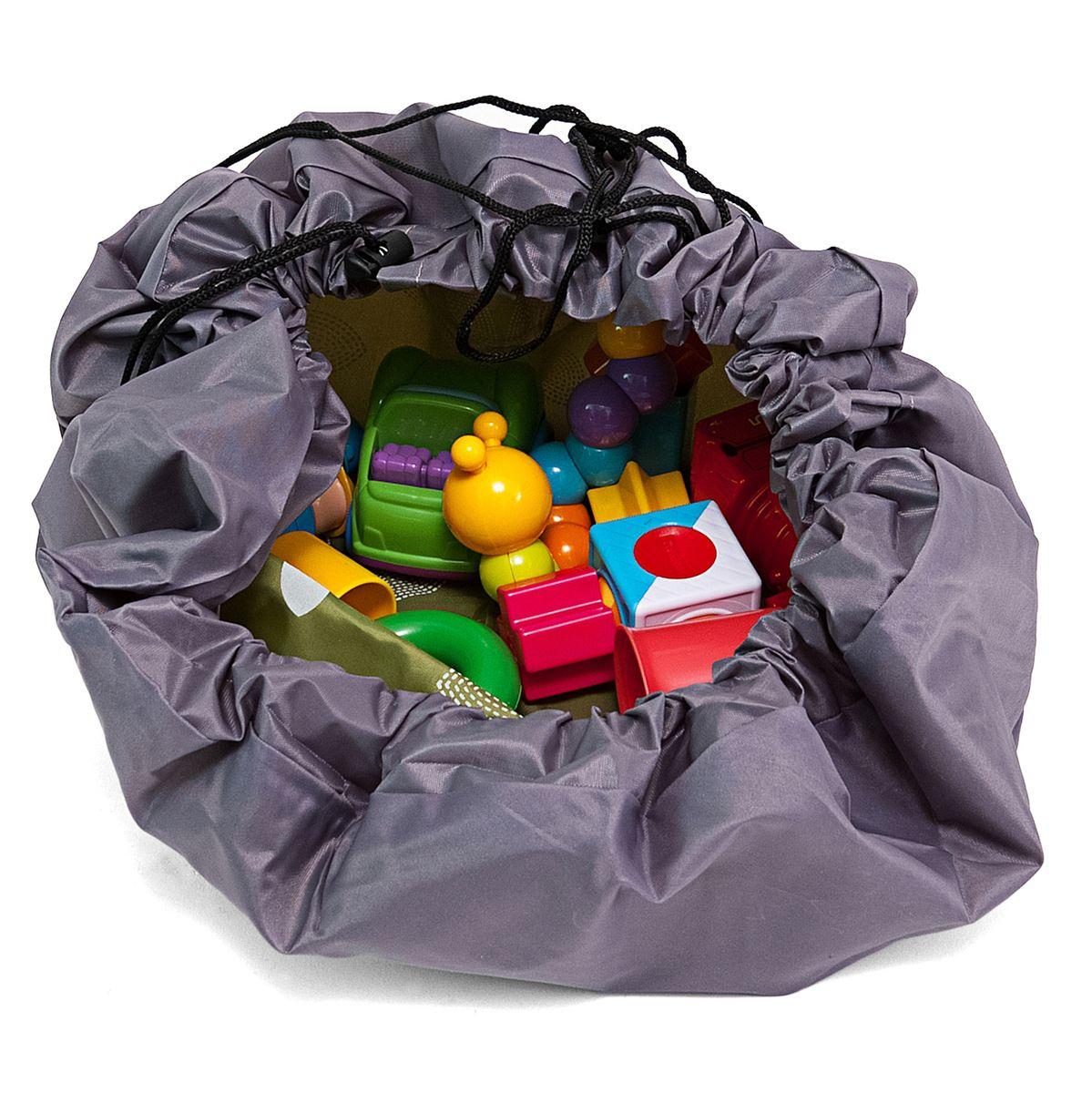 Сумка-коврик Homsu Лужайка, цвет: зеленый, 80х80 смR-105Сумка-коврик это оригинальный способ хранения и транспортировки детских игрушек. В разложенном состоянии - это поле для игры, а когда нужно собрать игрушки, он затягивается на шнурок и превращается в удобную сумку. Выполнен из прочного, но мягкого канваса. Размер изделия: 80х80см
