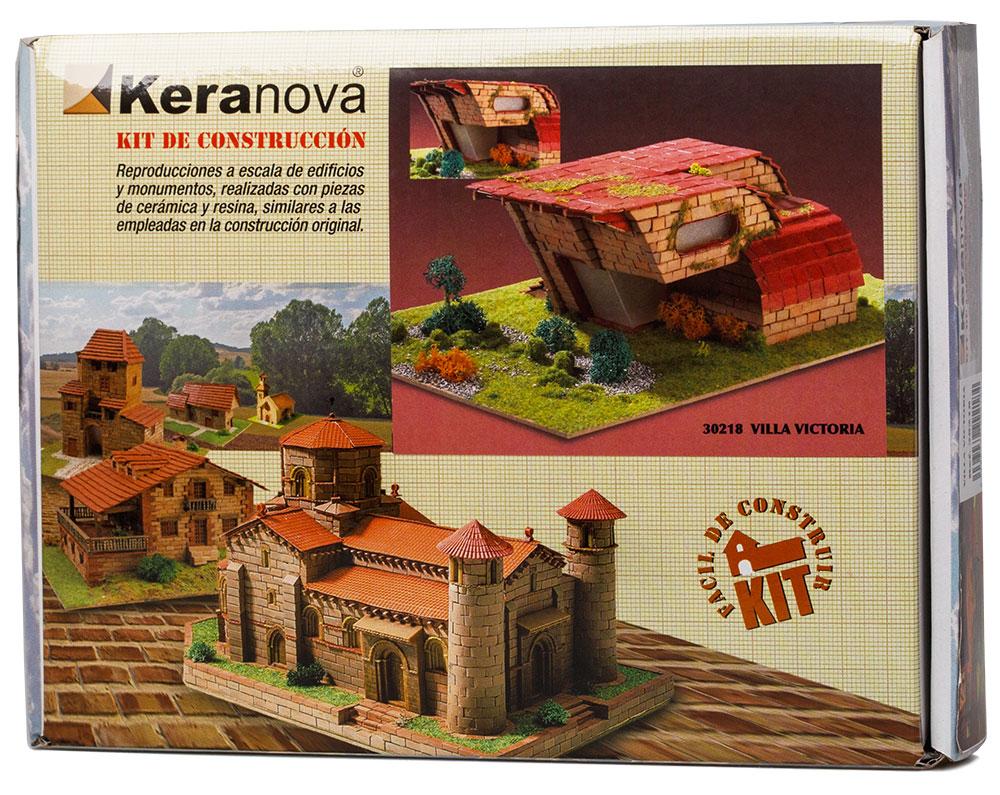 Keranova Конструктор Вилла Виктория30218Наборы для строительства Keranova позволяют почувствовать себя создателем архитектурных сооружений в полной мере. Средневековые замки и домики, башни, мельницы, береговые маяки – вы можете построить сами и украсить миниатюру по своему желанию. Некоторые модели выполнены в стандартном масштабе и являются точной копией оригинала. В ассортименте представлены модели с разным уровнем сложности. высокое качество натуральных материалов, достоверность моделей, а также возможность создания миниатюры по своему проекту создают уникальную возможность для реализации творческого начала вне зависимости от возраста и опыта. В состав набора входит: - каркас модели из бумаги, - основа для миниатюры из фанеры, - набор кирпичиков и черепицы из глины разного размера и разной фактуры (8 температурных режимов обжига кирпичиков), - имитация грунта (песок), имитация растительности (исландский мох – материал устойчивый к естественному разрушению), - имитация украшений фасадов и...