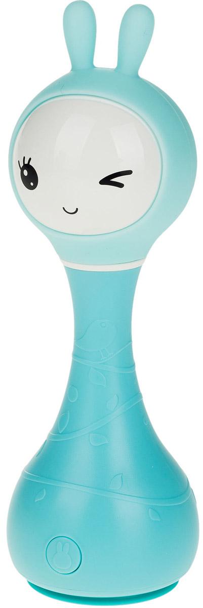 Alilo Музыкальная игрушка-ночник Зайка R1 цвет синий60905Умный зайчик Alilo R1 очень сообразительный. Он может играть разную удивительную музыку, рассказывать сказки, светиться в темноте, а также познакомить вашего малыша с окружающими цветами, которые делают его жизнь яркой. Умный зайчик Alilo R1 – это ещё и погремушка. Потрясите его – он начнёт воспроизводить мелодию, нажмите «СТОП» через две секунды после начала проигрывания и снова потрясите – мелодия изменится. Прочная конструкция (упадёт - не сломается), без острых краёв Мягкие силиконовые ушки могут светиться 5 часов непрерывной игры без подзарядки! Зарядка через USB (кабель прилагается) Загруженный контент: 16 песен и 16 сказок на русском языке 5 успокаивающих звуков для крепкого сна ребёнка (белый шум) 66 рингтонов для погремушки Яркая инструкция на русском и гарантия 30 дней Технология распознавания цвета: поставьте зайчика на предмет и слегка надавите. Ушки Умного зайчика засветятся цветом поверхности, а также он скажет вам, что это за...