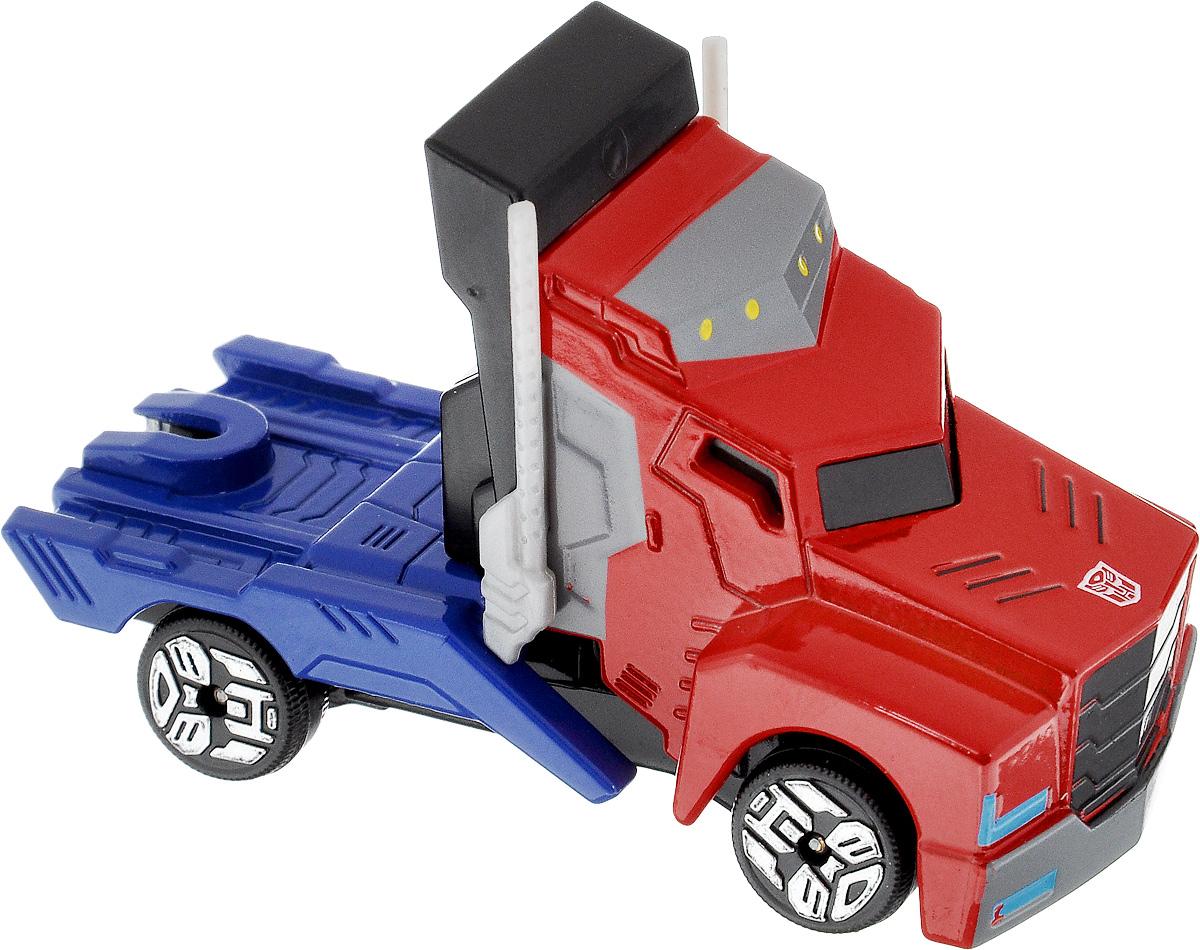 Dickie Toys Машинка Transformers Optimus Prime3111001Теперь в схватке с противником любимый герой мультфильма всегда будет оставаться победителем! Машинка Dickie Toys Transformers Optimus Prime выполнена из металла и пластика в виде героя мультсериала Transformers: Robots in Disguise и оснащена световым эффектом. Нажав на красную кнопку под машинкой, она начнет светится синим светом. Колеса машинки свободно вращаются. Эта машинка будет отличным подарком всем поклонникам Трансформеров. Для работы машинки необходима 1 батарейка типа CR1220 (входит в комплект).