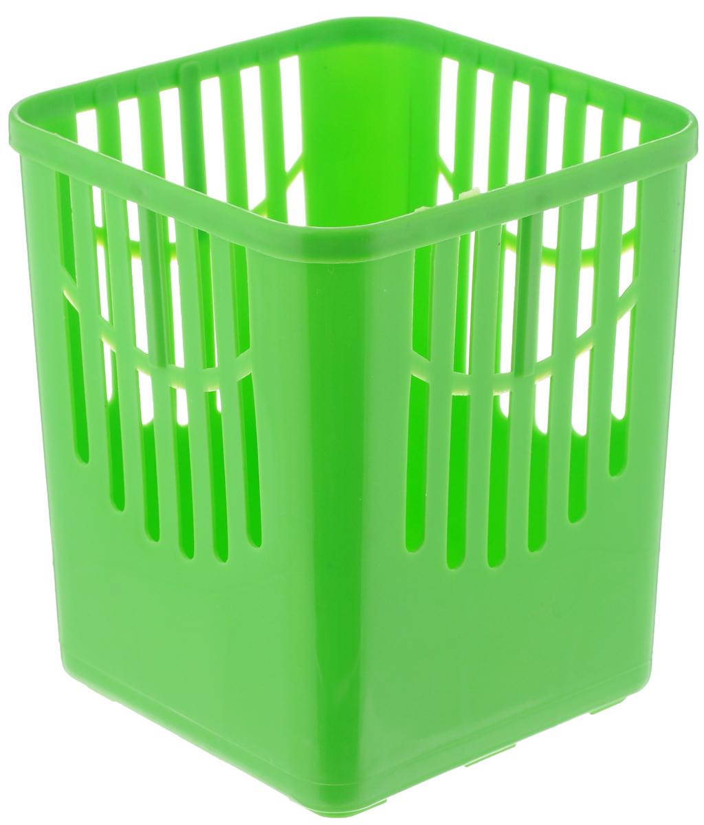 Подставка для столовых приборов Axentia, цвет: салатовый, 10,5 х 10,5 х 12,5 см232039_салатовыйПодставка для столовых приборов Axentia, выполненная из высококачественного пластика, станет полезным приобретением для вашей кухни. Она хорошо впишется в интерьер, не займет много места, а столовые приборы будут всегда под рукой. Размер подставки: 10,5 х 10,5 х 12,5 см.