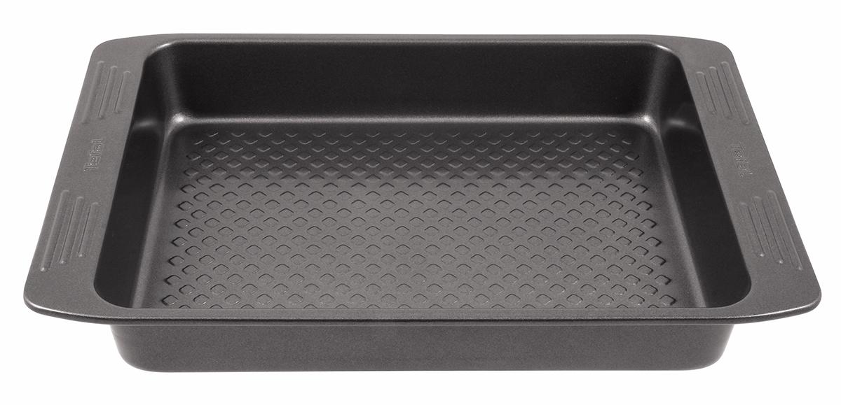 Форма для пирога Tefal Easy Grip, квадратная, с антипригарным покрытием, 20 х 20 смJ0835274Форма для пирога Tefal Easy Grip выполнена из углеродистой стали с внутренним антипригарным покрытием с рифленой поверхностью. Углеродистая сталь - это прочный, легкий и долговечный материал, который прекрасно проводит тепло, помогая выпечке хорошо подходить и равномерно пропекаться, и гарантирует всегда великолепный результат. Слой антипригарного покрытия полностью устраняет пригорание пирога и его прилипание к стенкам и дну. Выпечка легко извлекается из формы. Экологически безопасное антипригарное покрытие не содержит PFOA, свинца и кадмия. Изделие нельзя мыть в посудомоечной машине, нельзя использовать в микроволновой печи. Использовать только пластиковые аксессуары. Форма выдерживает температуру до 210°C. Внутренний размер формы: 20 х 20 см. Размер формы с учетом ручек: 27 х 22,5 см. Высота формы: 4,5 см.