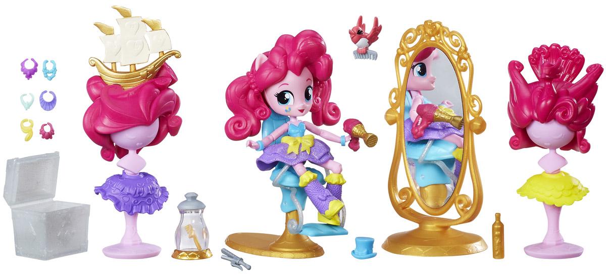 My Little Pony Набор фигурок Пинки Пай в салоне красотыB7735EU4_B8824Набор фигурок My Little Pony Пинки Пай в салоне красоты поможет создать вашей малышке сюжет из любимого мультфильма. Пинки Пай одета в пышную фиолетовую юбочку с блестками и оригинальные сапожки в тон юбке. Розовые волосы пони собраны в два хвостика. Пинки Пай сидит в косметическом кресле напротив большого овального зеркала. Над пони летает ее питомец, маленькая розовая птичка и помогает наводить красоту. В наборе: манекены с необычными париками, яркие юбочки, сундук с ожерельями, аксессуары. Благодаря нескольким точкам артикуляции фигурка способна принимать реалистичные и забавные позы. Ваша дочурка будет в восторге от такого замечательного подарка!