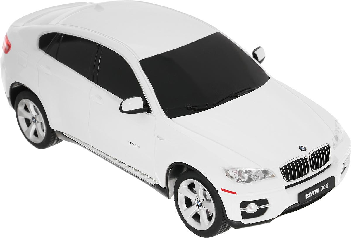 Rastar Радиоуправляемая модель BMW X6 цвет белый масштаб 1:2431700-RASTAR_белыйРадиоуправляемая модель Rastar BMW X6 является точной копией автомобиля BMW в масштабе 1:24. Машина идеально повторяет форму и дизайн оригинальной модели. Имеет литой корпус, автономную ходовую часть. Модель обязательно вызовет интерес, как у детей, так и у взрослых. Машина изготовлена из высококачественного пластика с металлическими элементами, шины выполнены из мягкой резины. Управление игрушкой происходит при помощи пульта дистанционного управления. Автомобиль может перемещаться вперед-назад, вправо-влево. Передние и задние фары подсвечиваются при движении. Ваш ребенок увлеченно будет играть с моделью, придумывая различные истории и устраивая соревнования. Порадуйте его таким замечательным подарком! Рекомендуется докупить 3 батарейки напряжением 1,5V типа АА (не входят в комплект). Для работы пульта рекомендуется докупить 2 батарейки напряжением 1,5V типа АА (не входят в комплект).