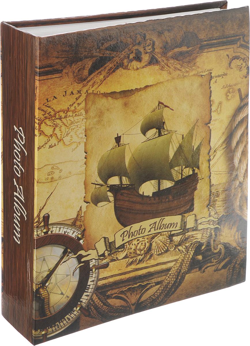 Фотоальбом Pioneer Rose Wind, 200 фотографий, 10 х 15 см41557 LM-4R200_корабль 2Фотоальбом Pioneer Rose Wind поможет красиво оформить ваши самые интересные фотографии. Обложка, выполненная из толстого картона, декорирована рисунком в морской тематике. Внутри содержится блок из 100 белых листов с фиксаторами-окошками из полипропилена. Альбом рассчитан на 200 фотографий формата 10 х 15 см (по 1 фотографии на странице). Переплет - книжный. Нам всегда так приятно вспоминать о самых счастливых моментах жизни, запечатленных на фотографиях. Поэтому фотоальбом является универсальным подарком к любому празднику. Количество листов: 100.