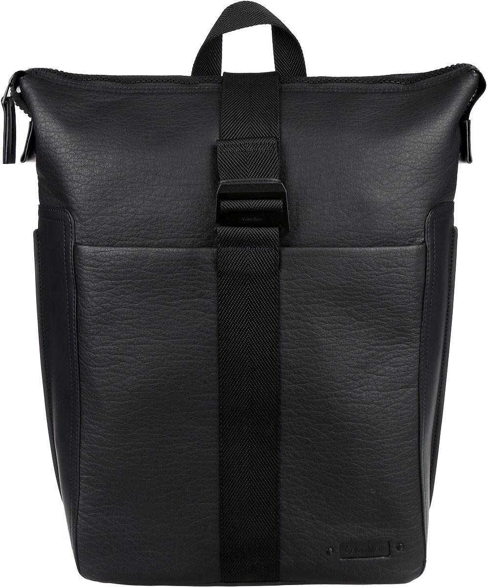 Рюкзак мужской Calvin Klein Jeans, цвет: черный. K50K502296_0010K50K502296_0010Стильный мужской рюкзак Calvin Klein Jeans выполнен из полиуретана и полиэстера. Изделие имеет одно вместительное отделение, которое закрывается на застежку-молнию и дополнительно на широкий текстильный ремешок с металлическим крючком. Внутри изделия расположены мягкий карман для планшета, мягкий карман для ноутбука, закрывающийся на широкий хлястик с липучкой, два накладных открытых кармана и прорезной карман на застежке-молнии. Хлястик оснащен прорезным карманом. Снаружи, на передней стенке расположен нашивной карман на магнитной кнопке. Рюкзак оснащен широкими лямками регулируемой длины и ручкой для переноски в руке.