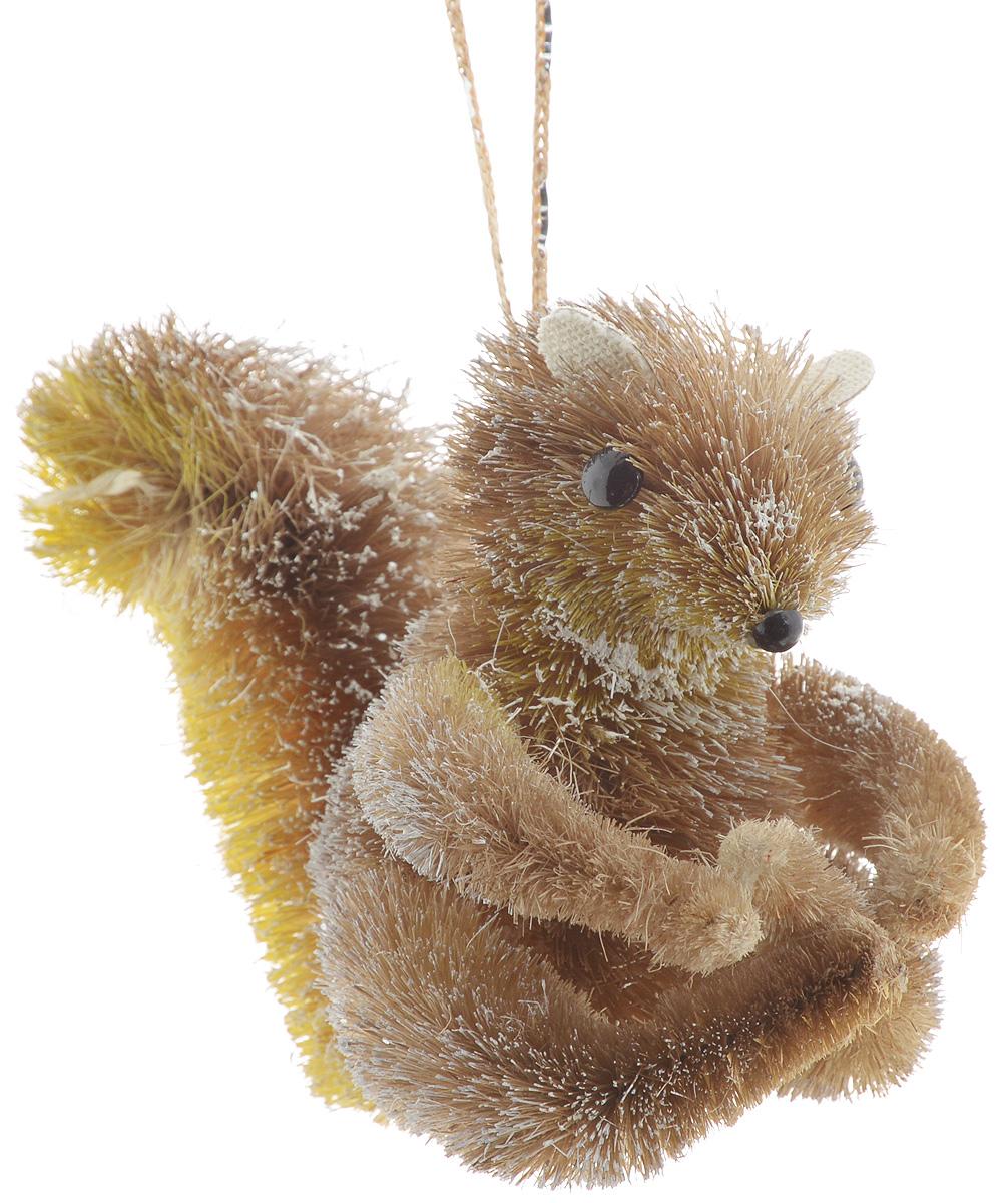 Украшение новогоднее подвесное Winter Wings Белка, 12 х 7 х 10 смN181410Новогоднее подвесное украшение Winter Wings Белка прекрасно подойдет для праздничного декора новогодней ели. Изделие выполнено из соломы. Для удобного размещения на елке предусмотрена веревочка. Елочная игрушка - символ Нового года. Она несет в себе волшебство и красоту праздника. Создайте в своем доме атмосферу веселья и радости, украшая новогоднюю елку нарядными игрушками, которые будут из года в год накапливать теплоту воспоминаний. Откройте для себя удивительный мир сказок и грез. Почувствуйте волшебные минуты ожидания праздника, создайте новогоднее настроение вашим дорогим и близким.